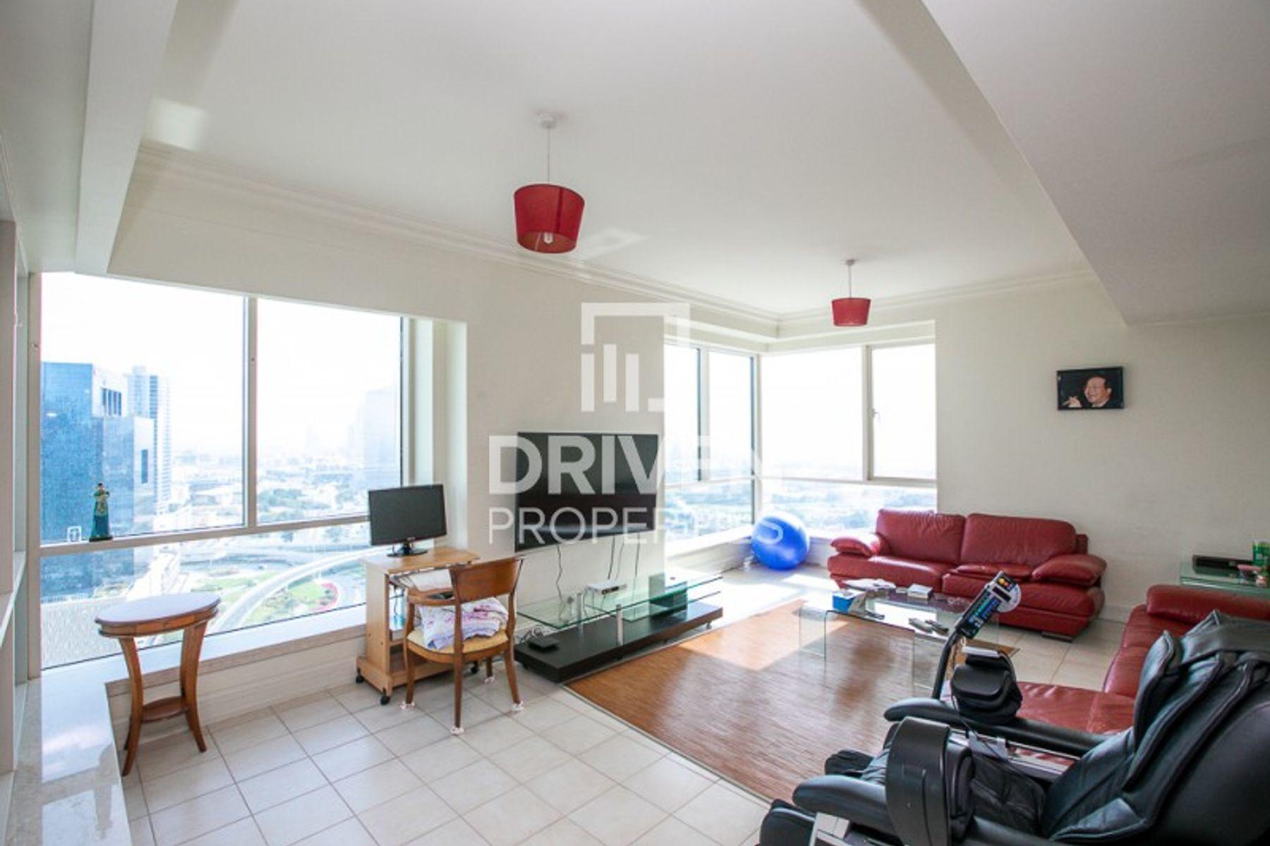 Furnished 3 Bedroom Apt | High Floor level