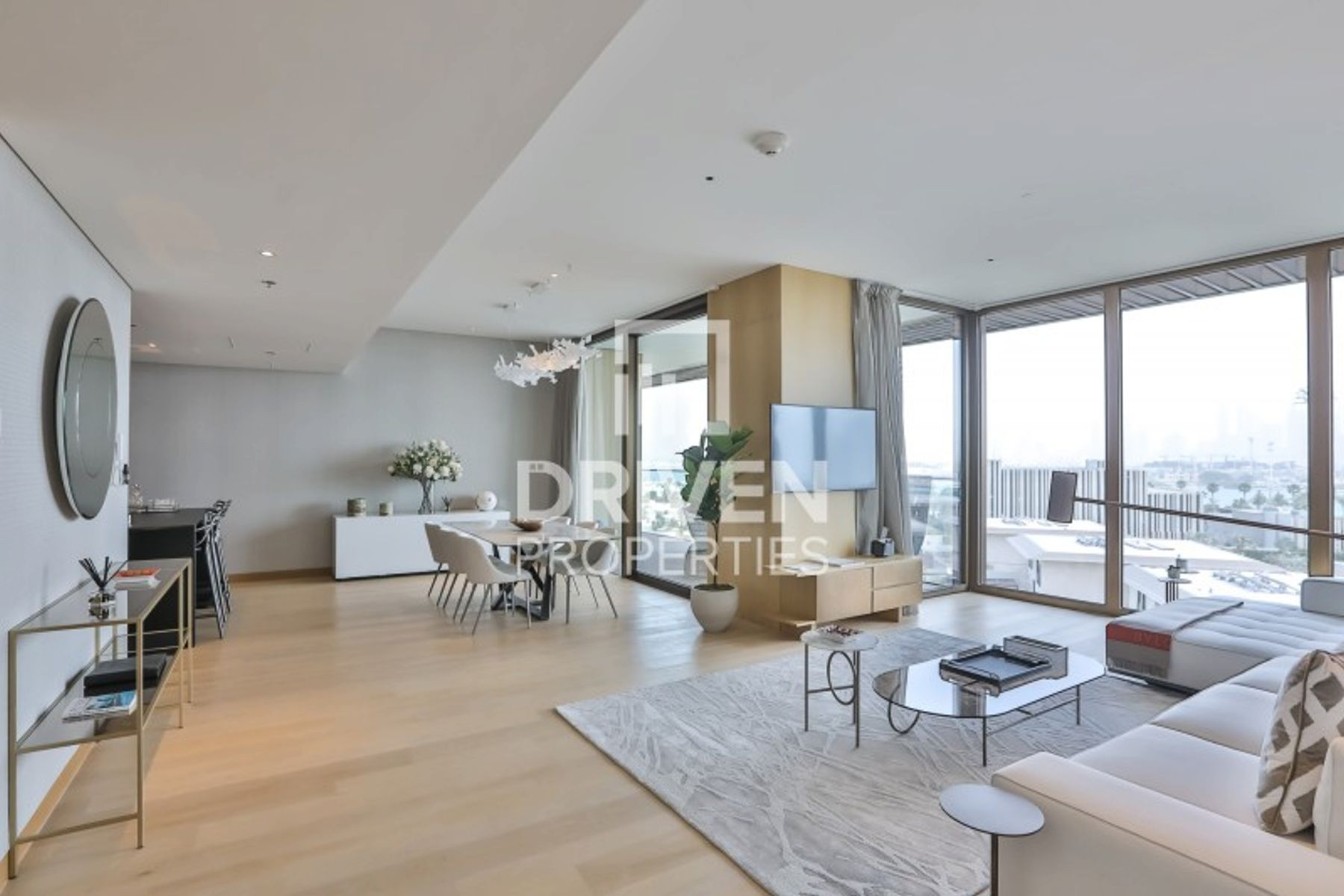 Luxurious Living and Fully Furnished Apt