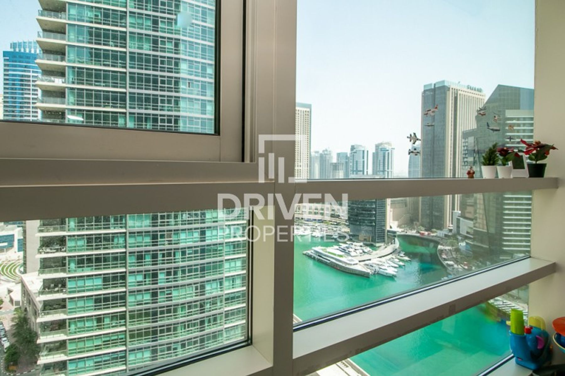 Stunning 1 Bed Apt with Nice Marina View
