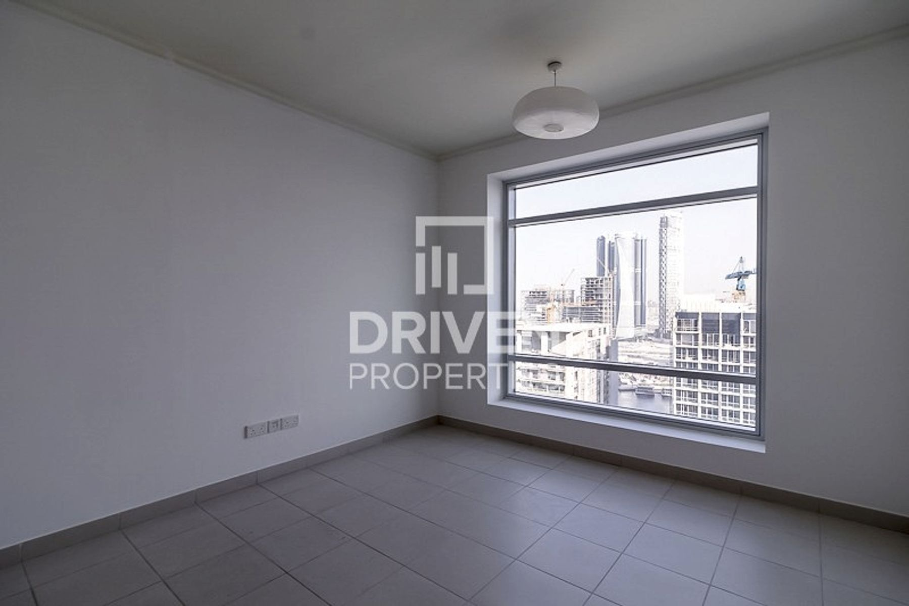 Huge and Well-managed 1 Bed | High Floor