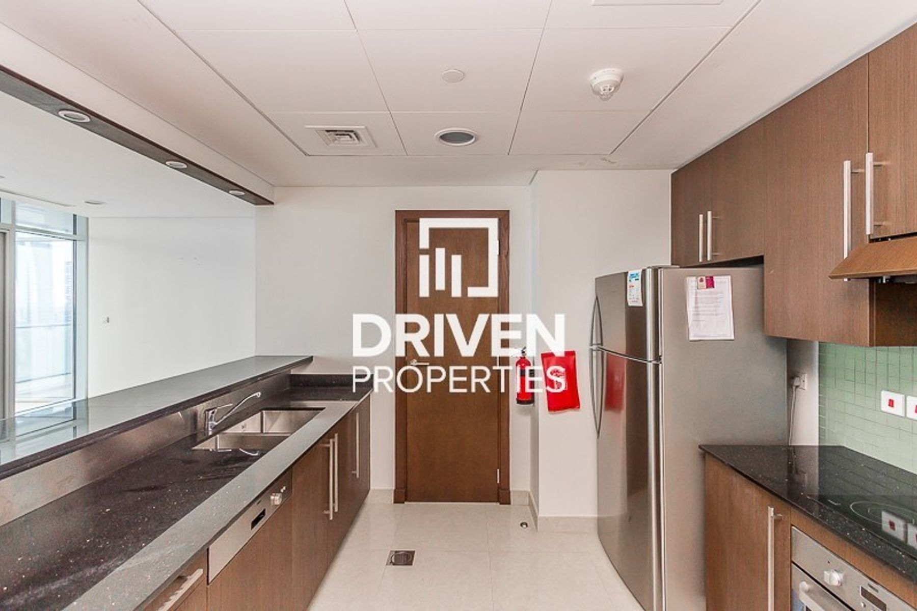 Amazing 3 Bed Apartment | High Floor Level