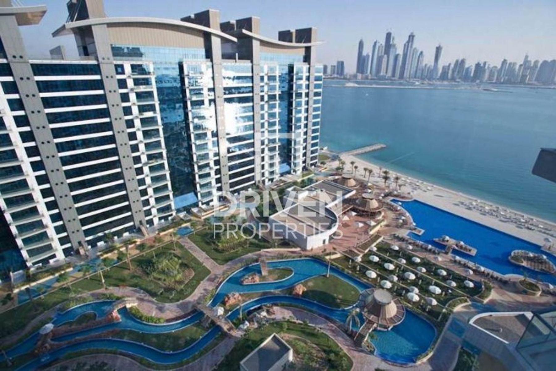 3 bed Apt with Partial Sea and Pool Views