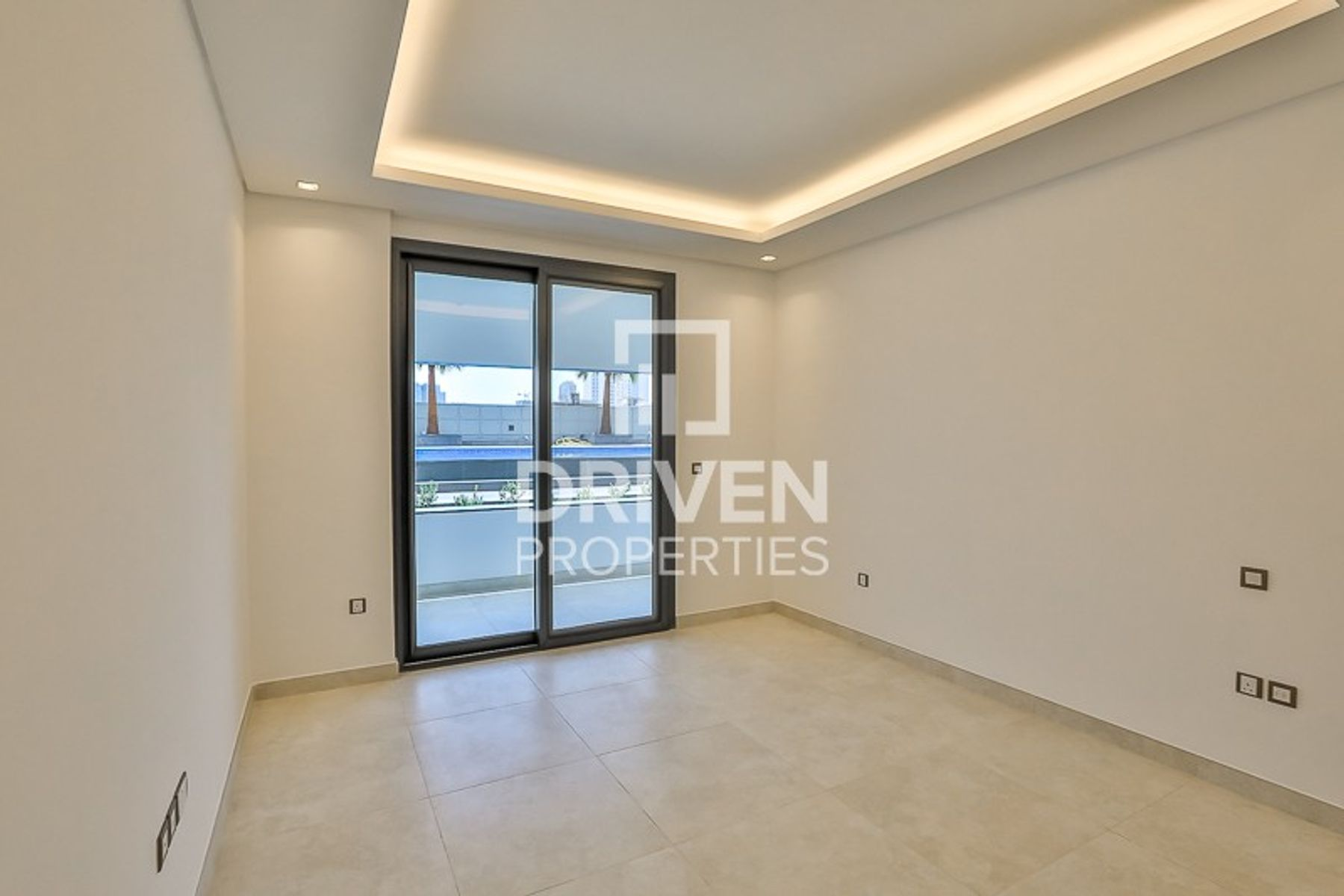 Lovely 1 Bedroom Apartment with Pool View