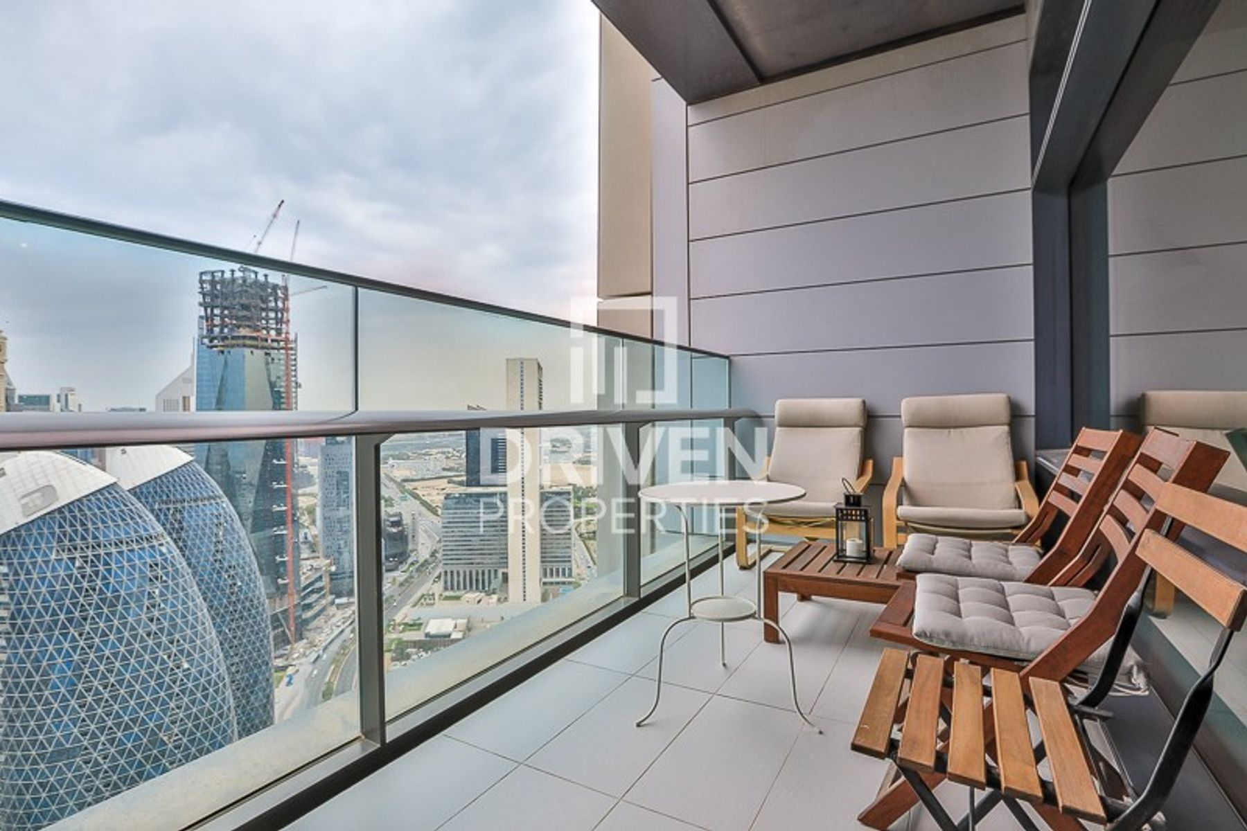 Best 1 Bedroom with Balcony | DIFC Views
