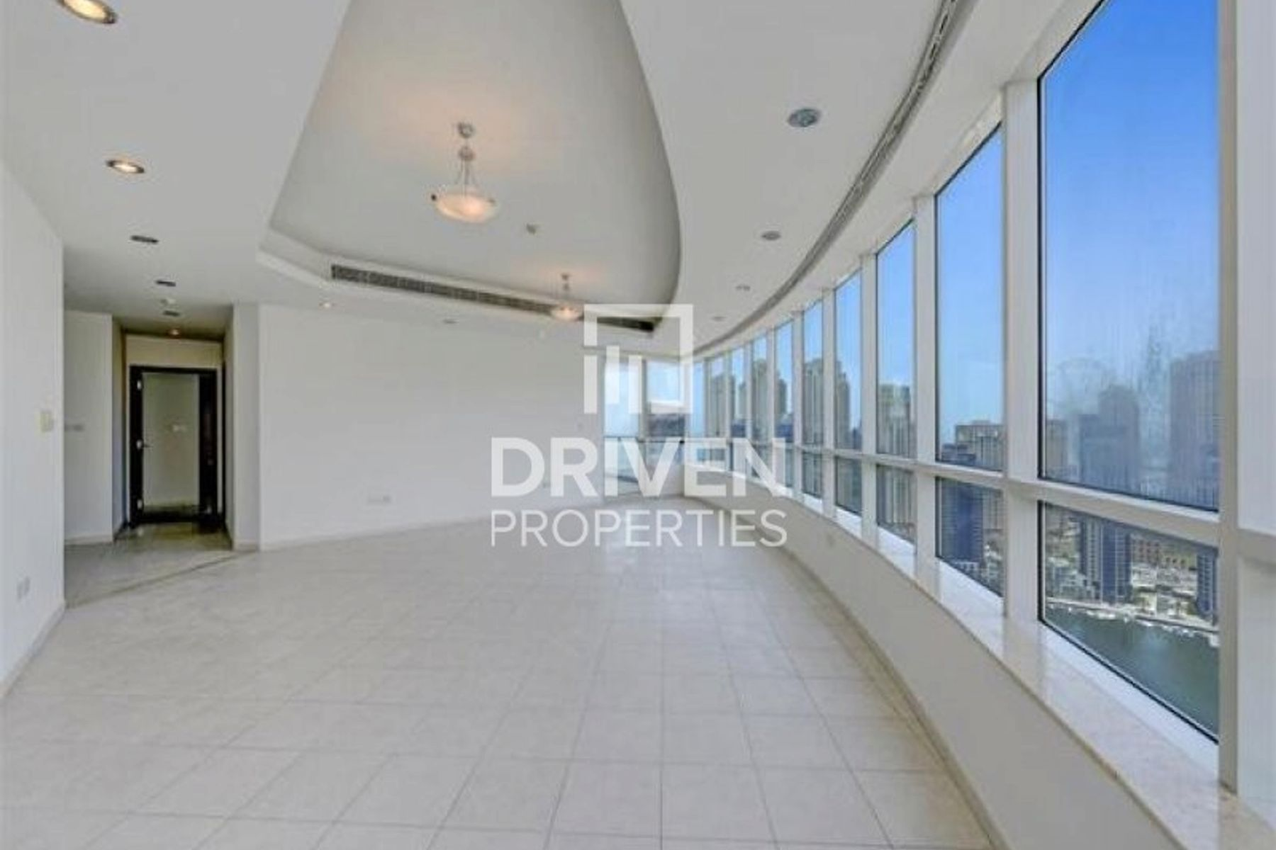 Next to Metro | Spacious 4 Bed Apartment