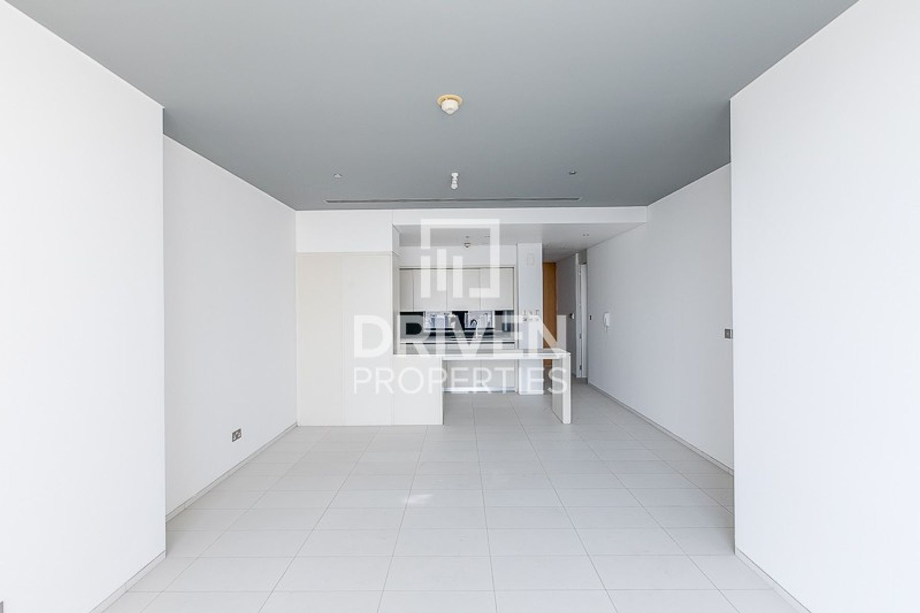 Spacious Unit with Storage room, Facing Burj