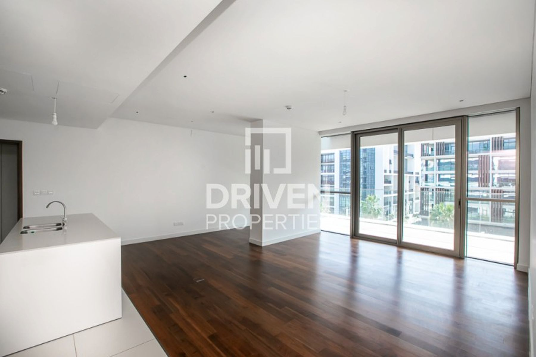 2 Bed Apt Plus Maids Room, Boulevard View