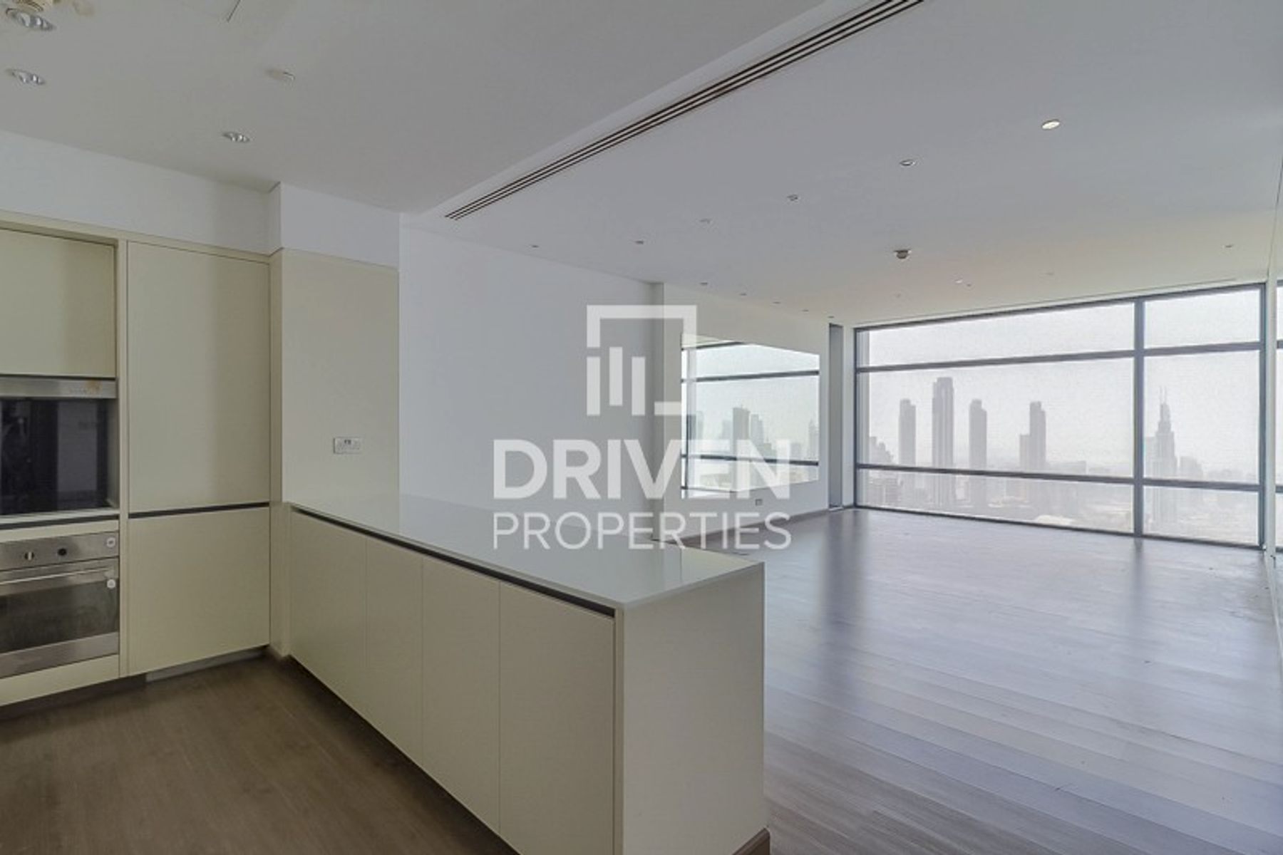 Higher Floor 2 Bedroom Unit with Burj View