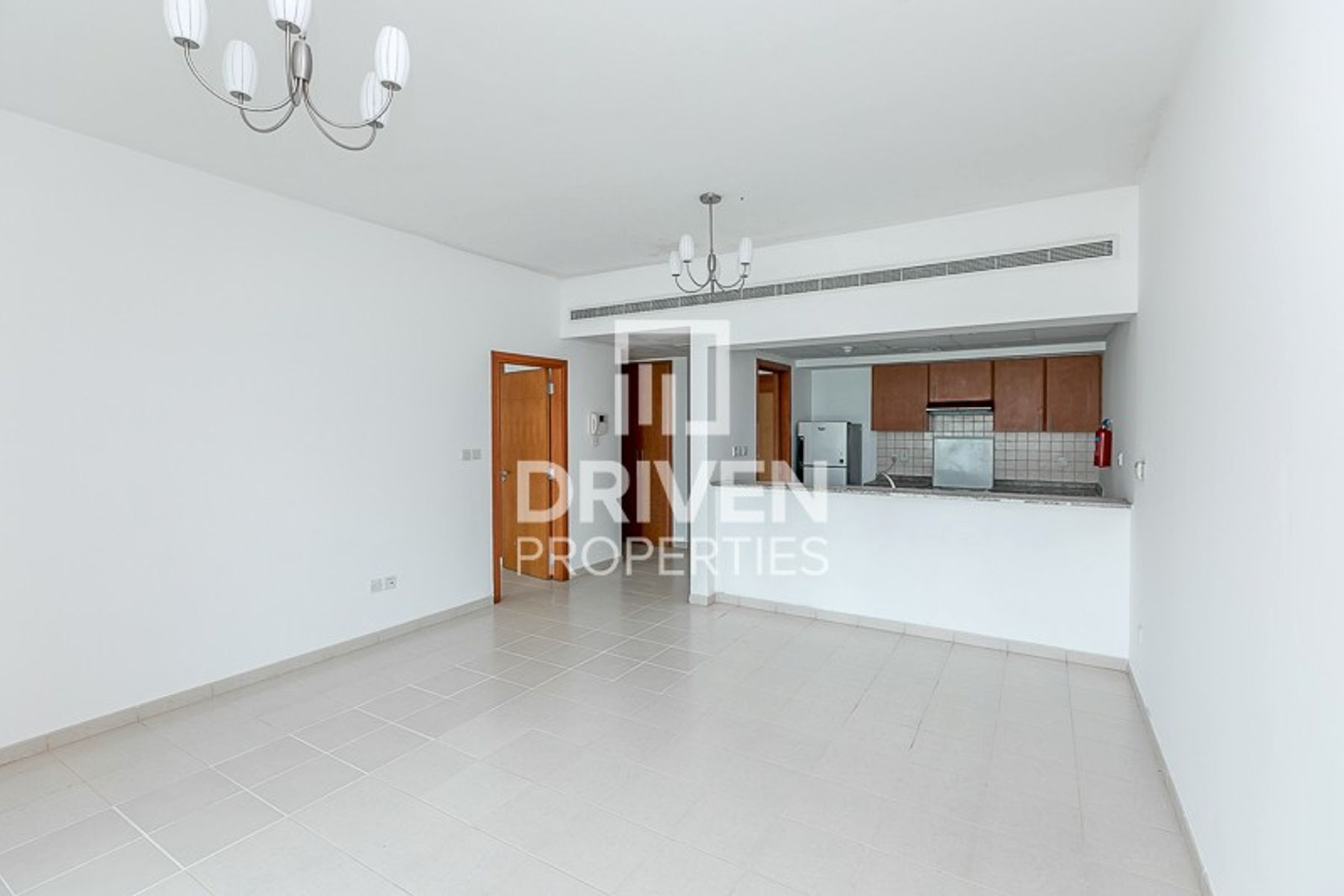 Well-maintained 1 Bedroom Corner Apartment