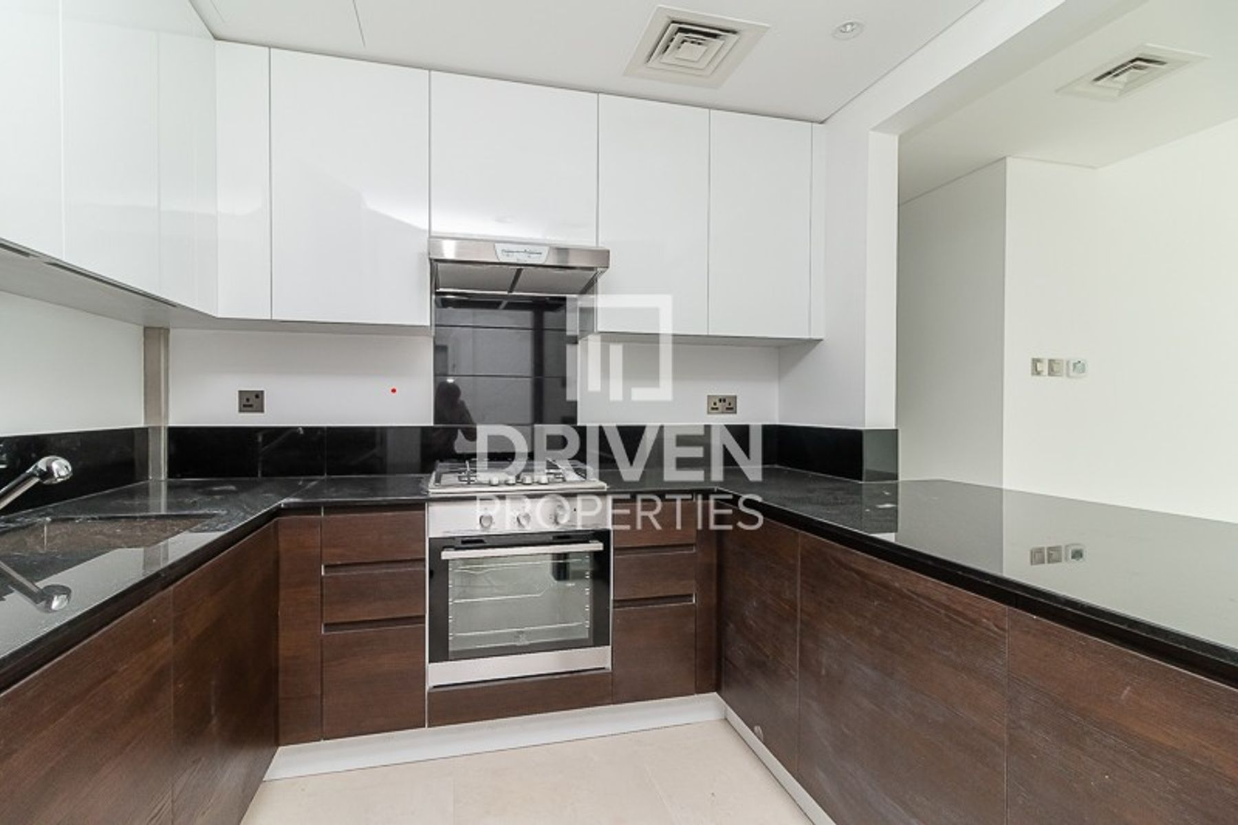 Spacious | 2 Bedroom | Equipped Kitchen