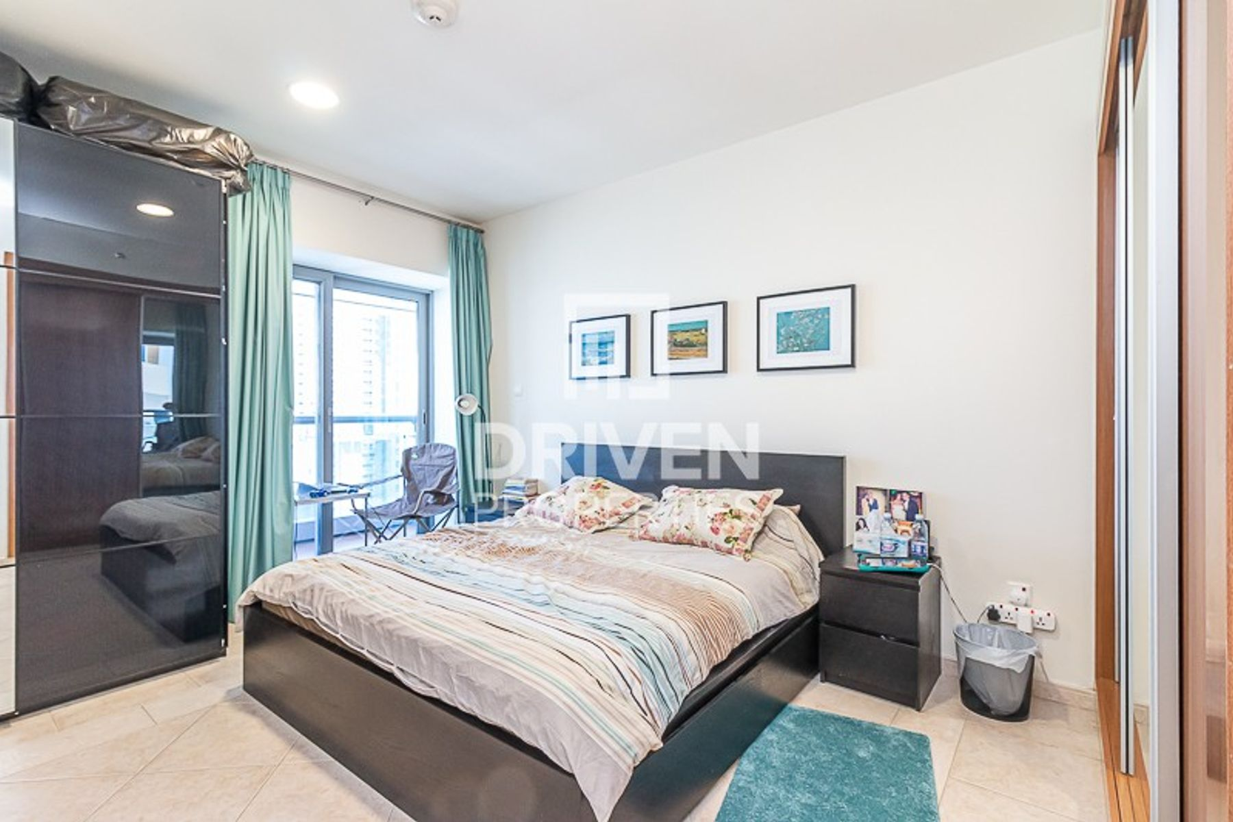 Well-maintained 3 Bed Unit with Sea View