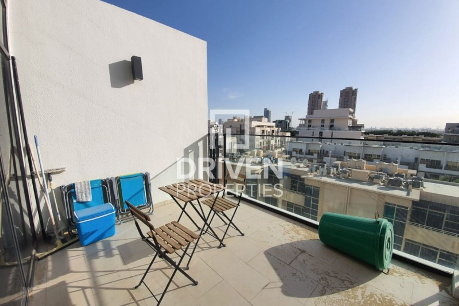 Amazing Duplex 1 Bedroom Unit with Terrace