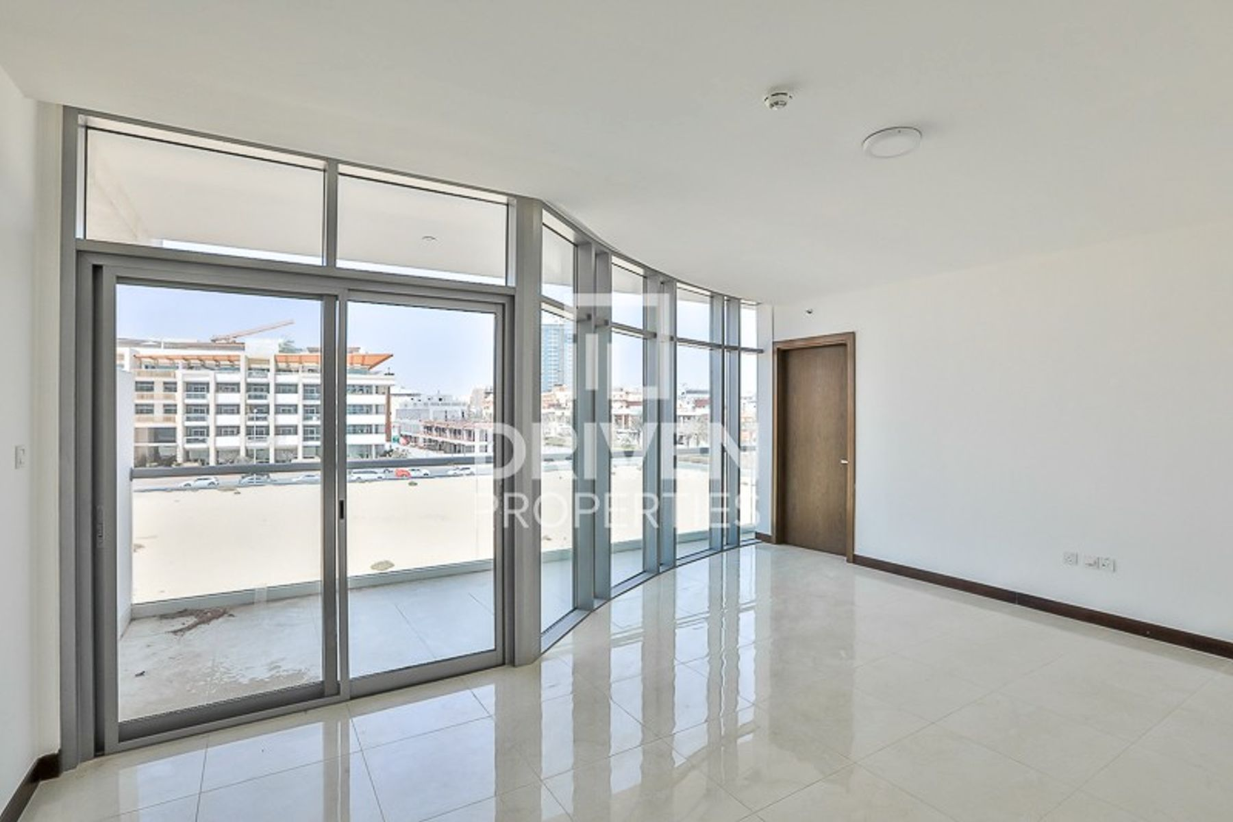 Bright and Elegant 1 Bedroom Unit in JVC