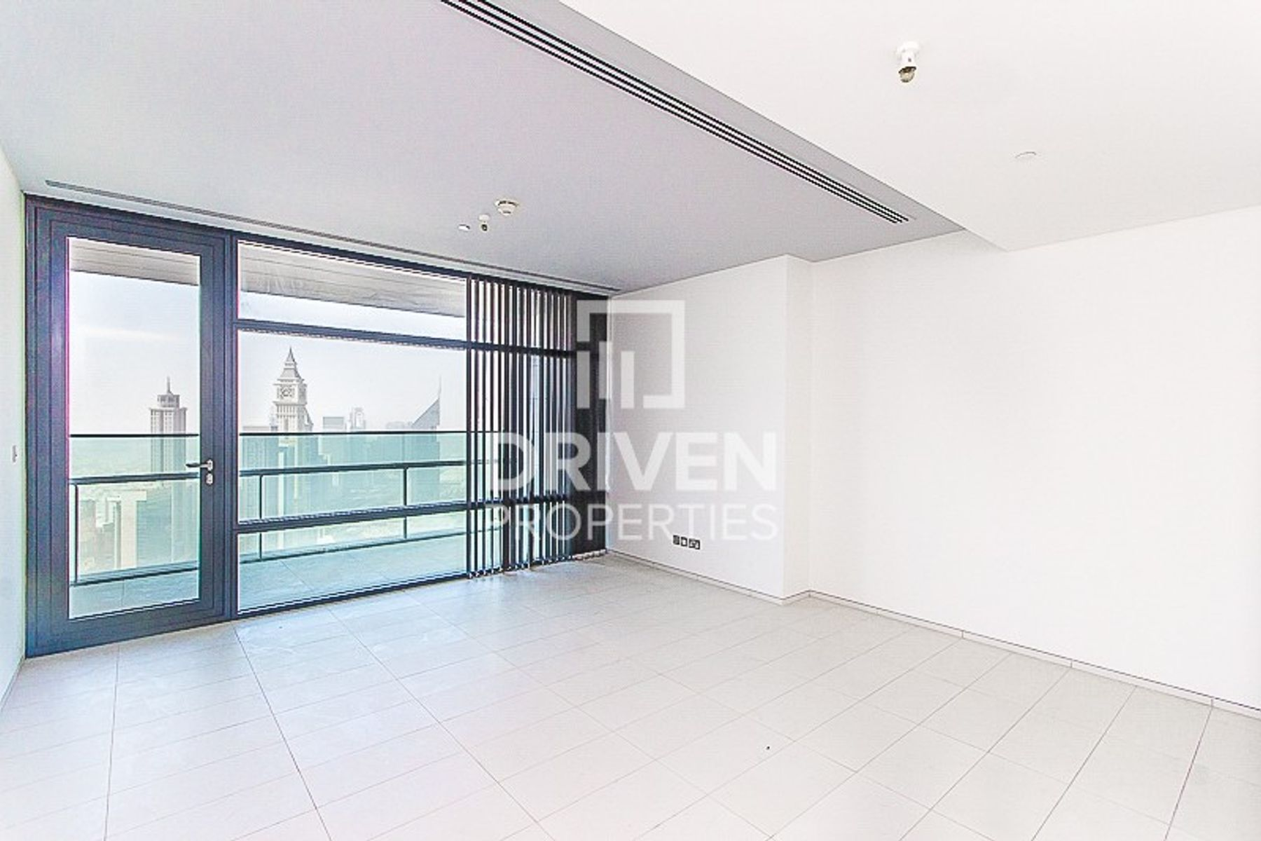 Huge-Layout 2 Bedroom Apt with 2 Balcony