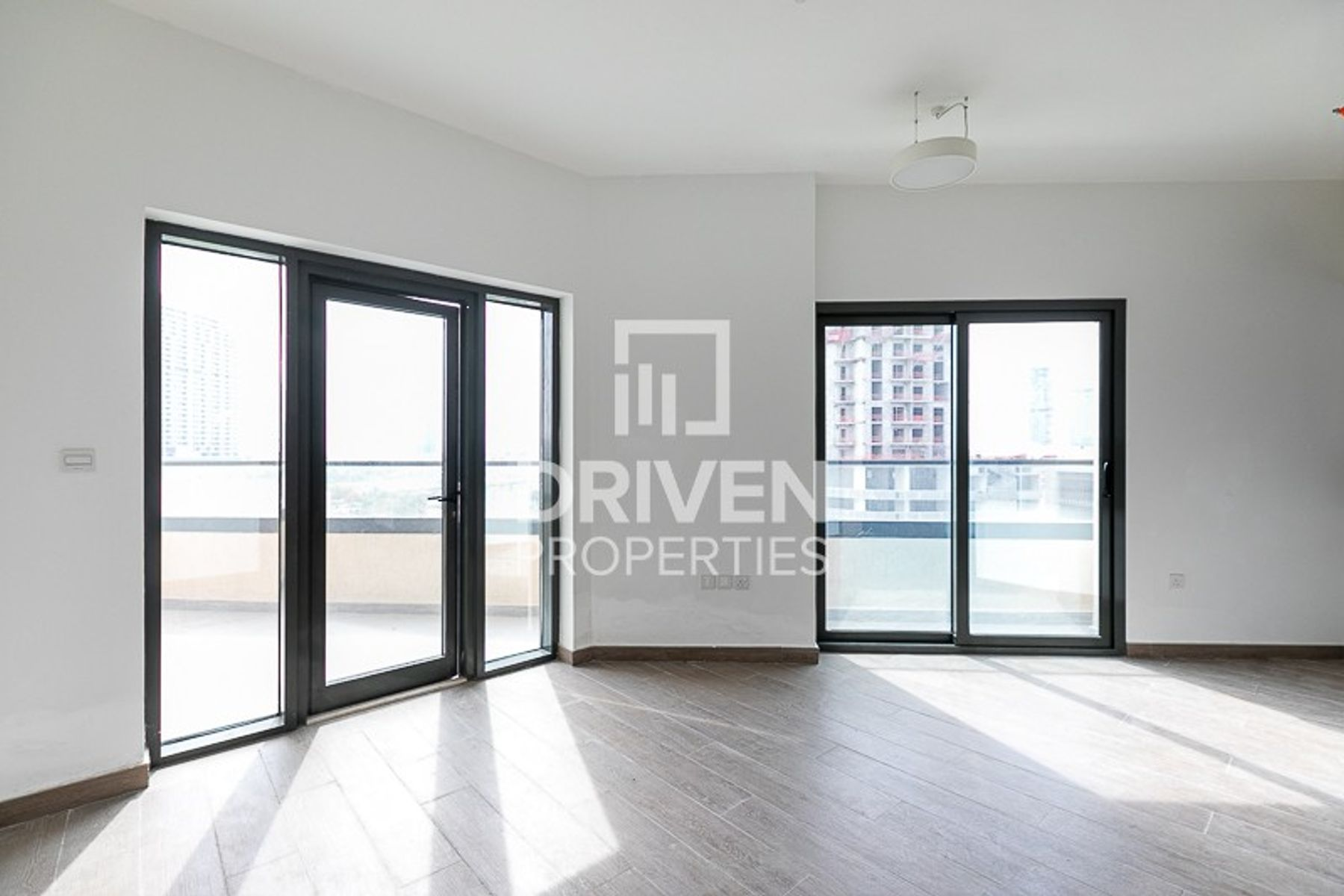 Amazing 1 Bedroom Apartment, 1 Month Free