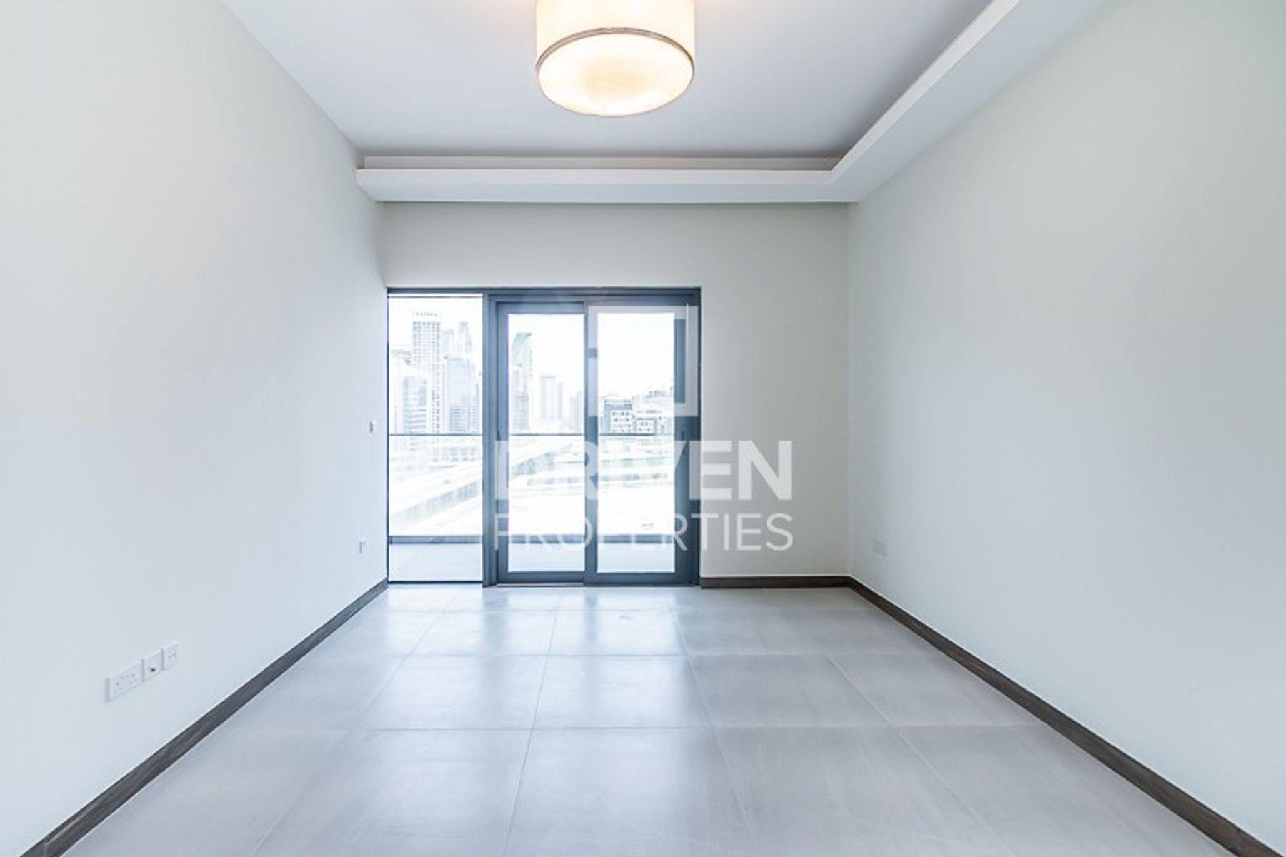 826 قدم مربع  شقة - للايجار - الخليج التجاري