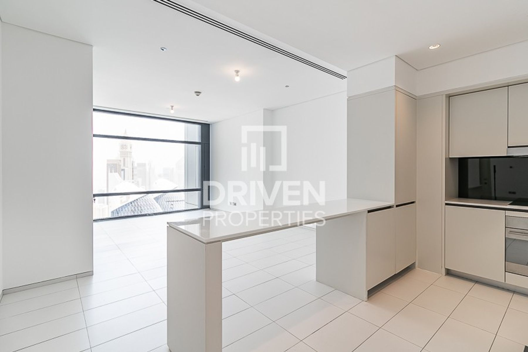 Spacious 1 Bed Unit, High Floor, Facing DIFC
