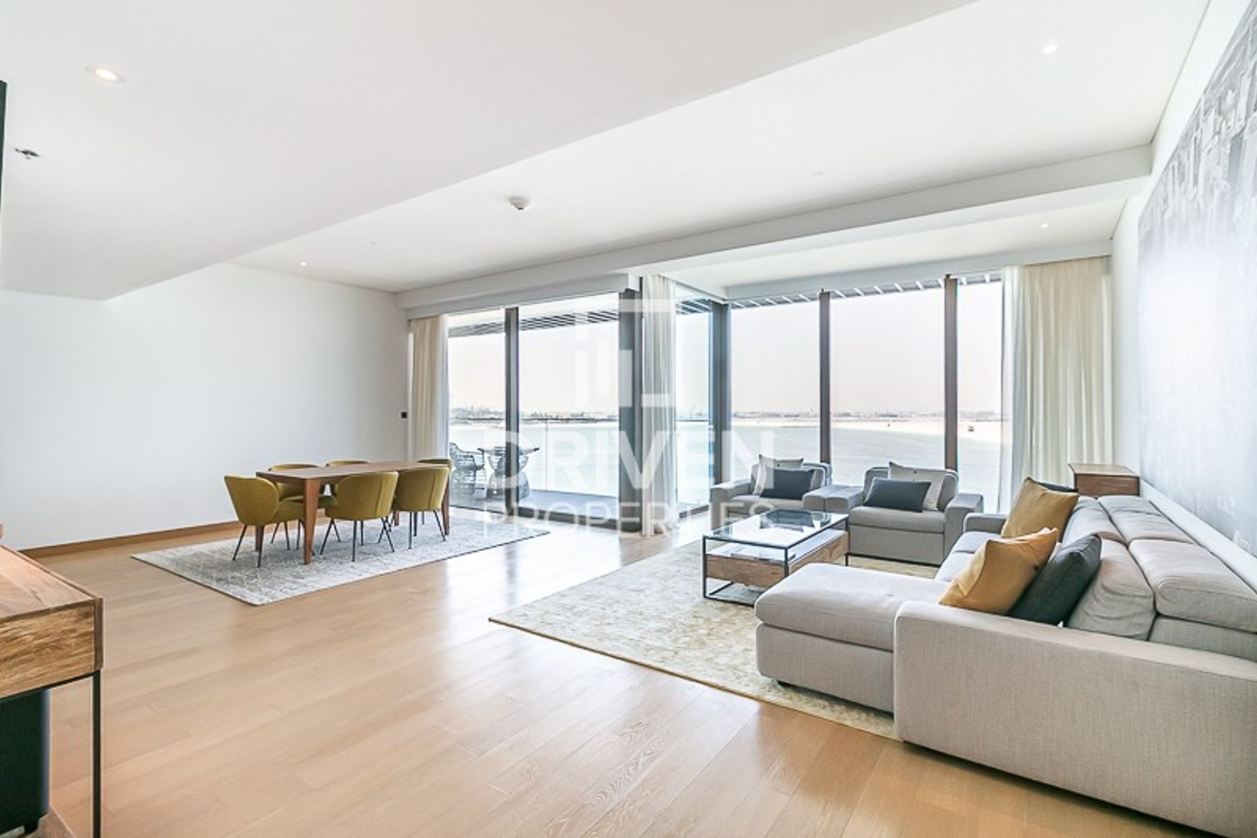 Beautiful 1 Bed Apt in Bulgari Residence