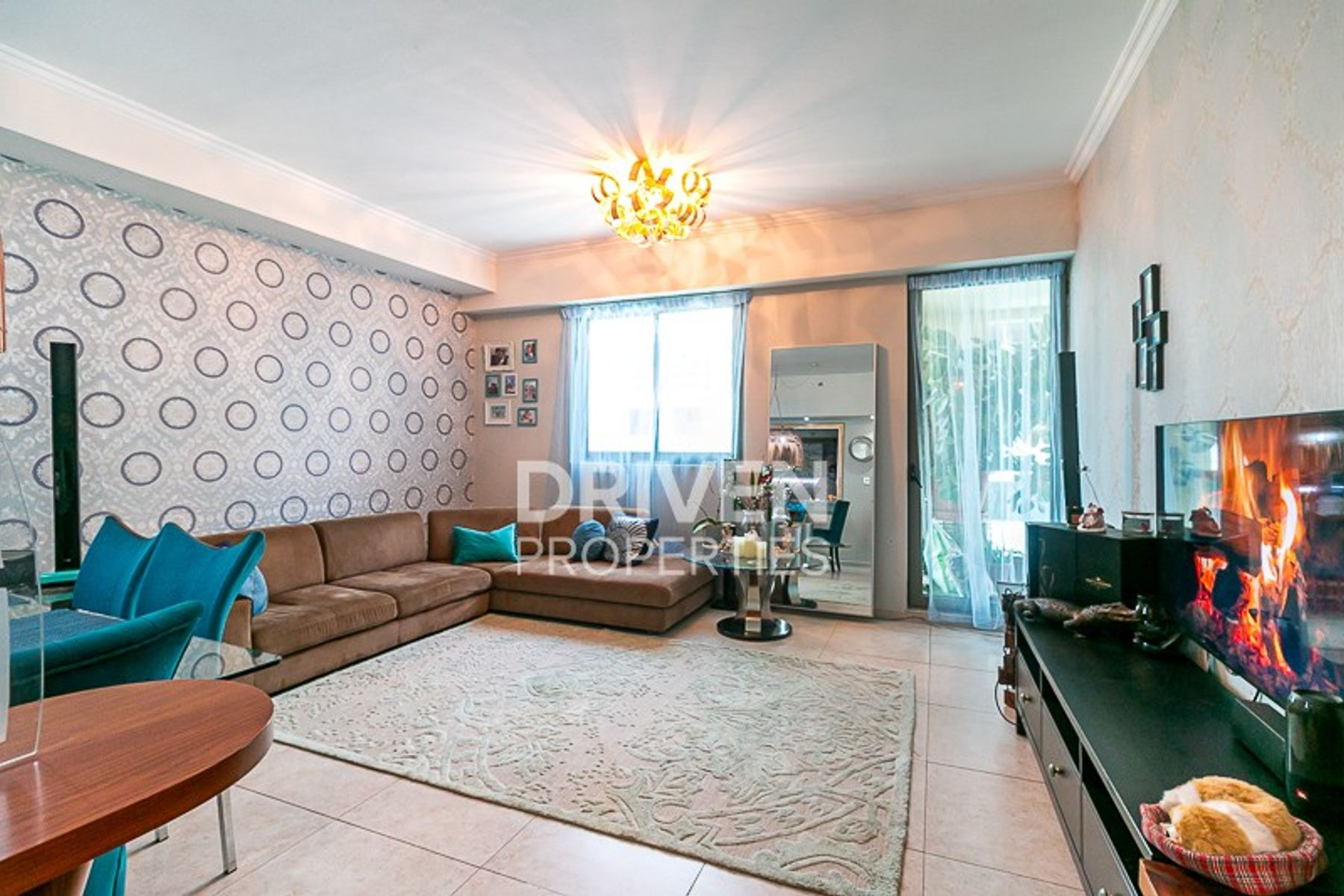 Elegant and Upgraded Unit, Amazing Layout