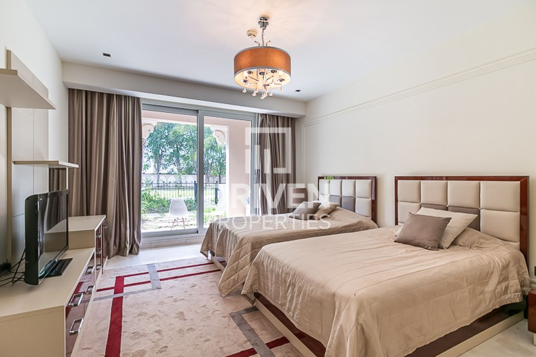 Furnished 2 Bedroom Apartment with Garden