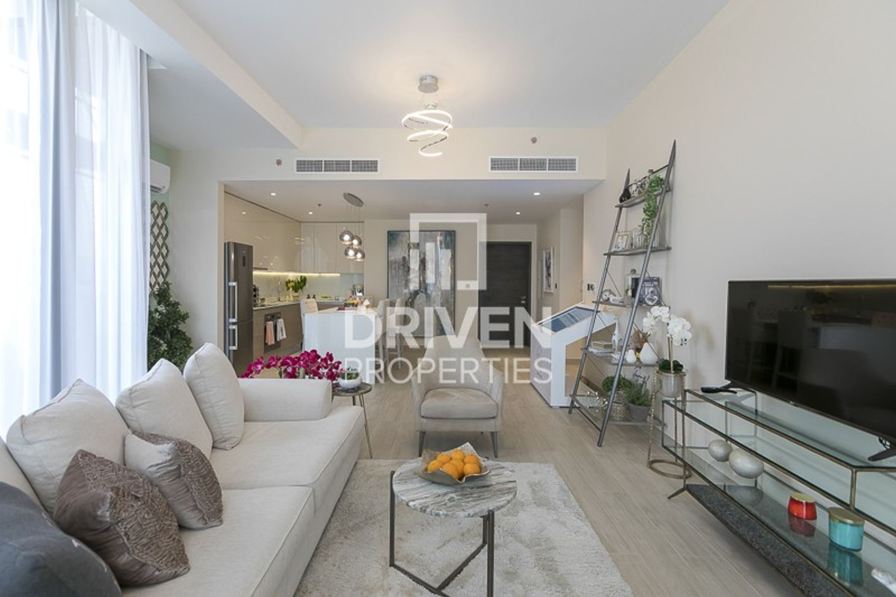 Beautiful Design Apartment in Prime Location