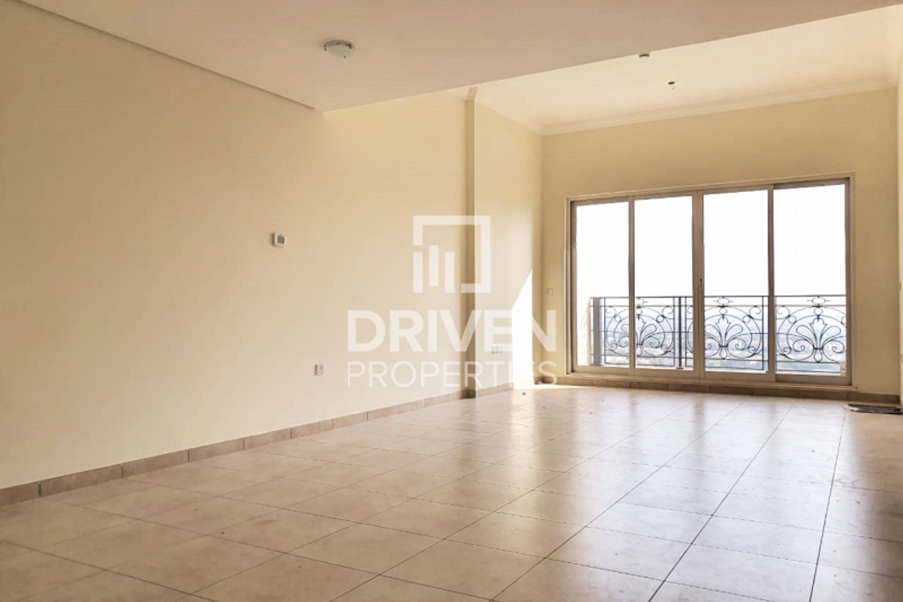 Spacious 2 Bed Apartment with Golf Views
