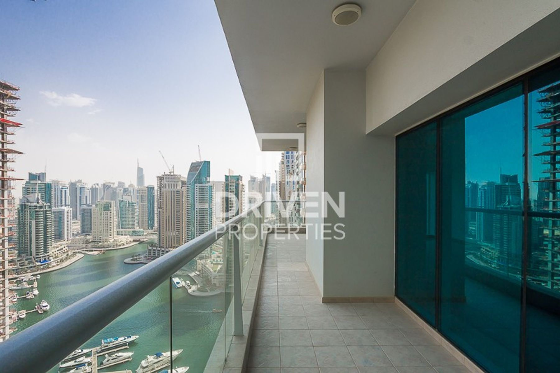 Gorgeous and Huge Apartment with Marina View