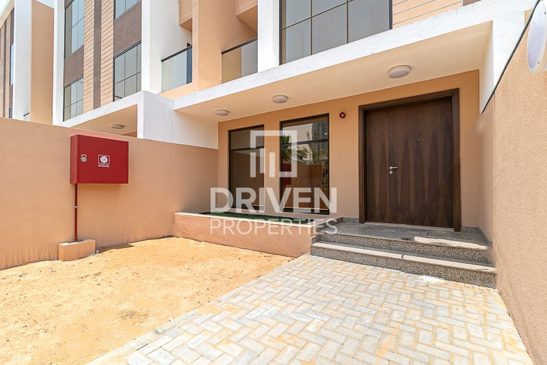 Brand New 4 Bed Townhouse in Prime Location