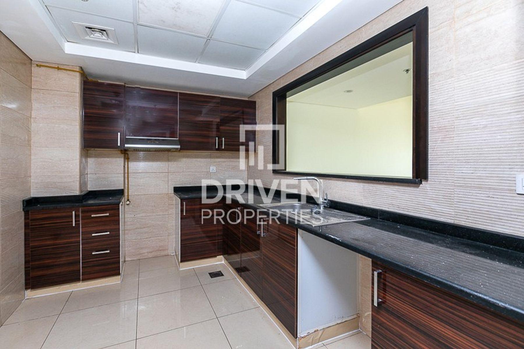 900 قدم مربع  شقة - للايجار - قرية الجميرا سركل