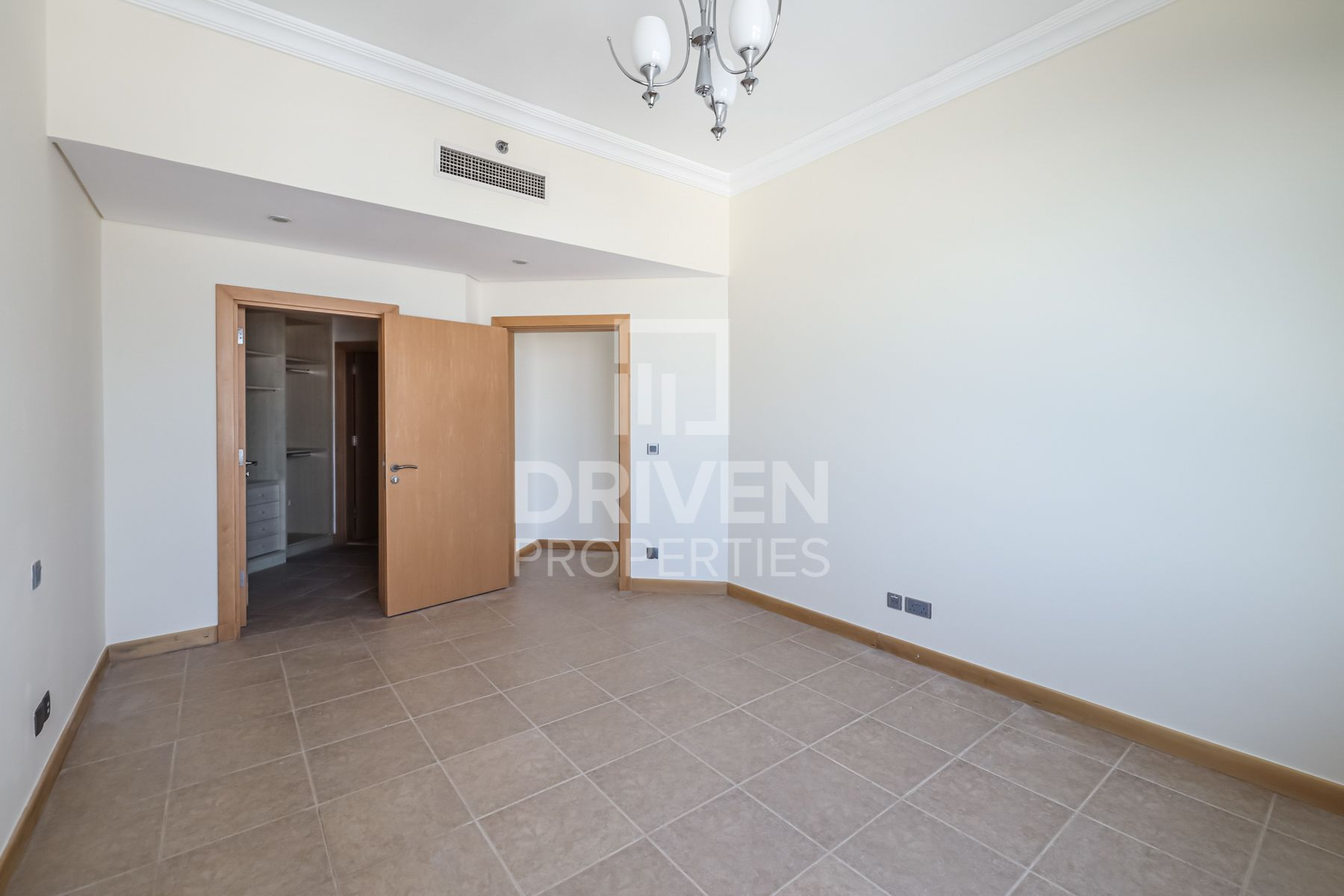 Apartment for Rent in Al Khudrawi - Palm Jumeirah
