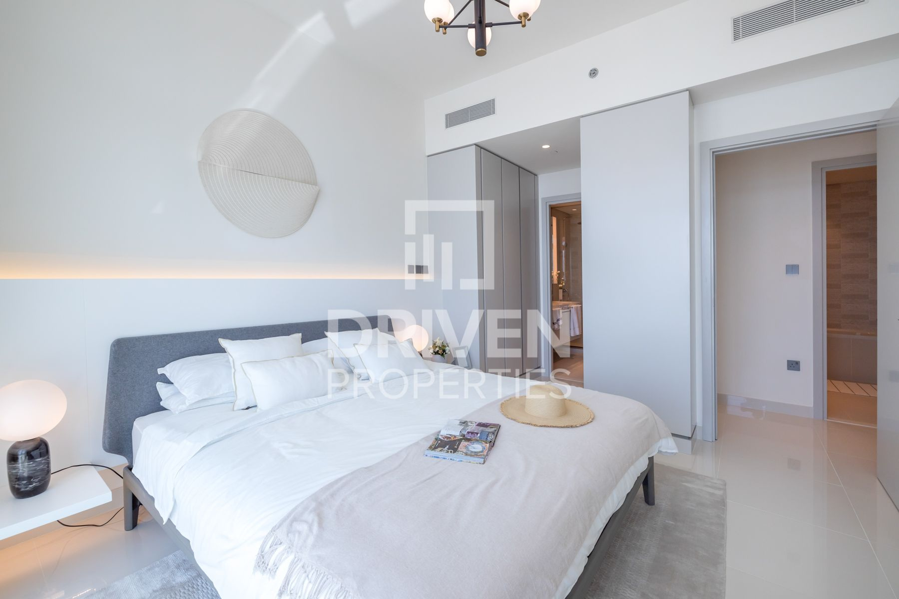 Resale Apt with Private Beach   Sea View