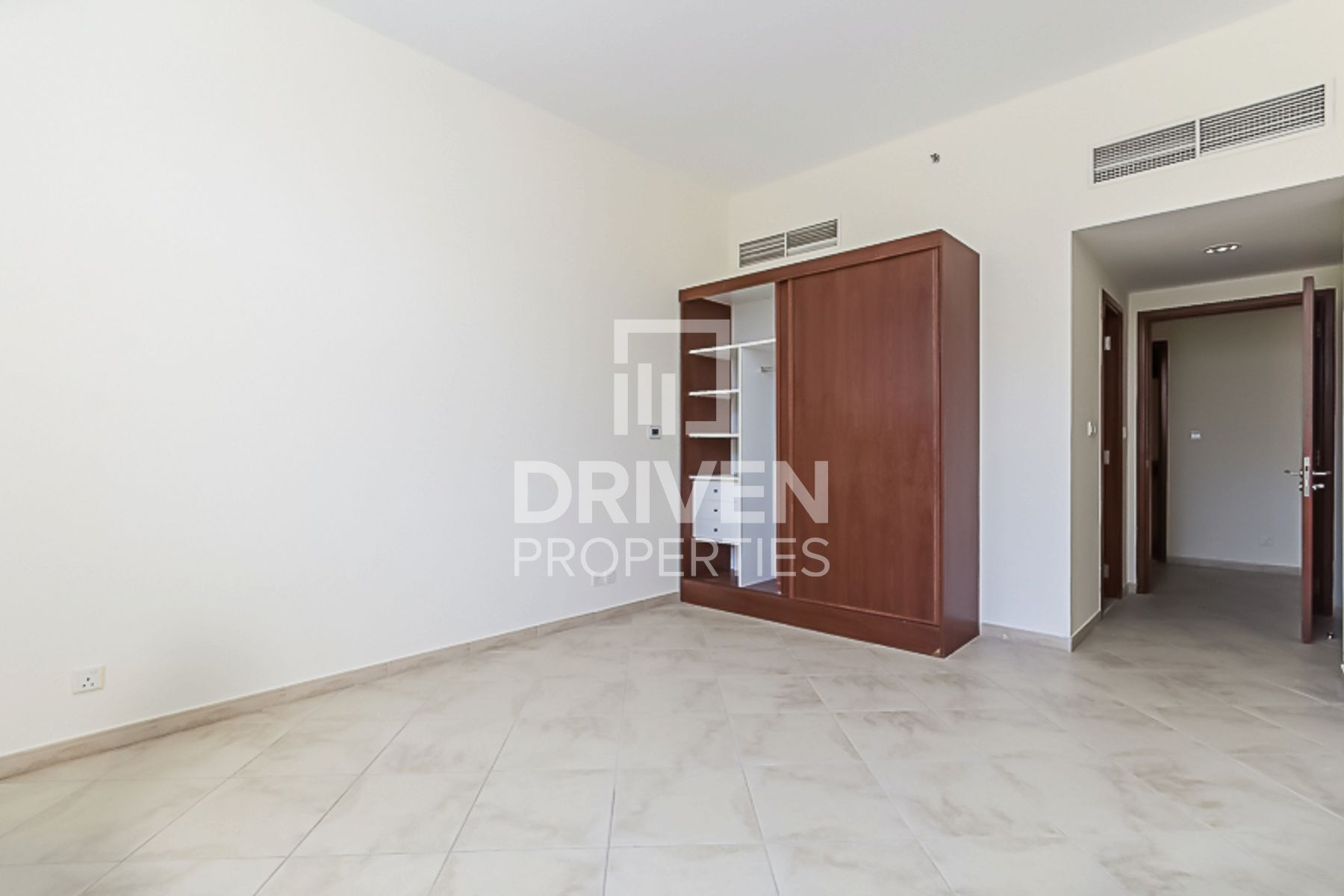 Well-managed and Huge Apt w/ Garden View