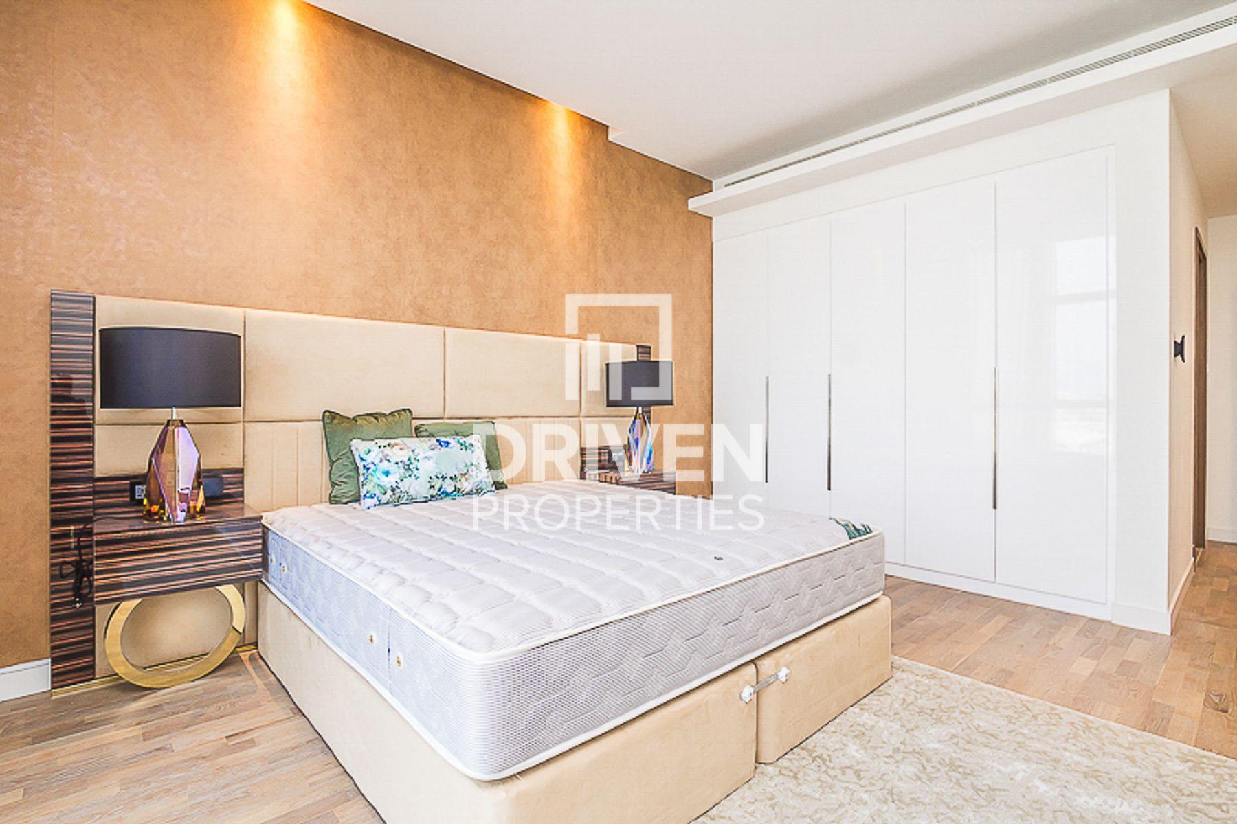 Rare Huge 3 Bed Apt | Corner Unit | Boulevard View