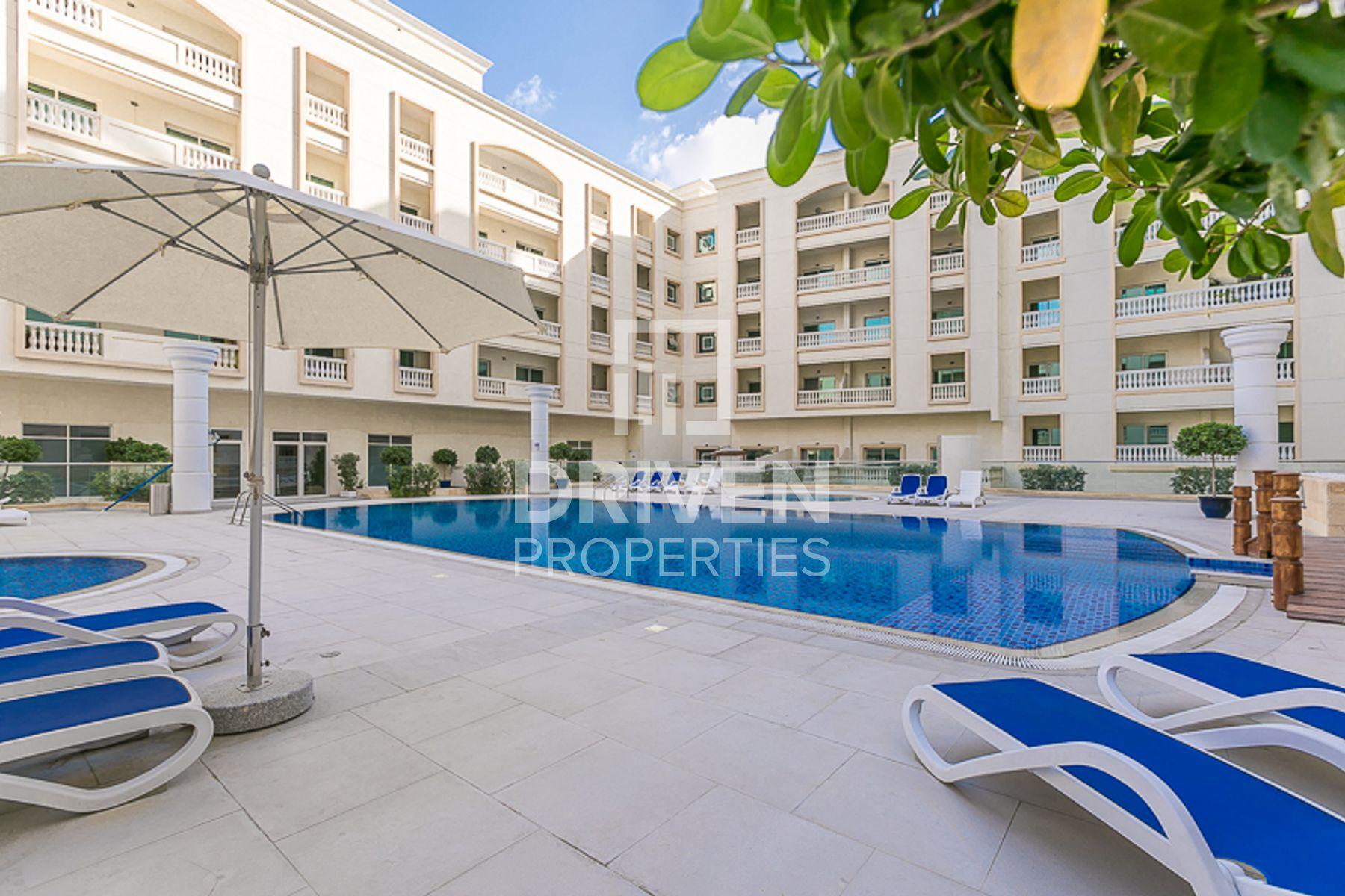 Spacious | Amazing Apartment | Pool View
