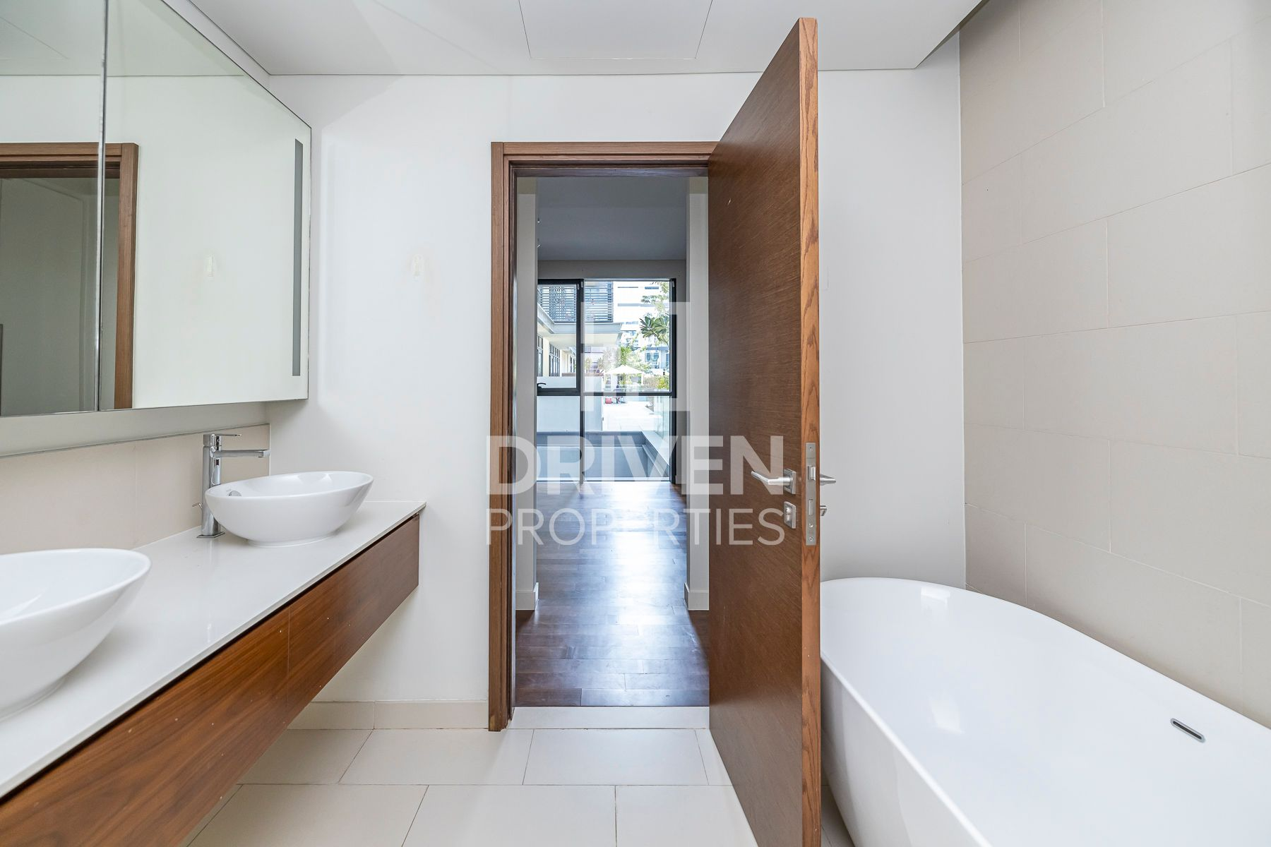 Well-kept Apartment   Excellent Location