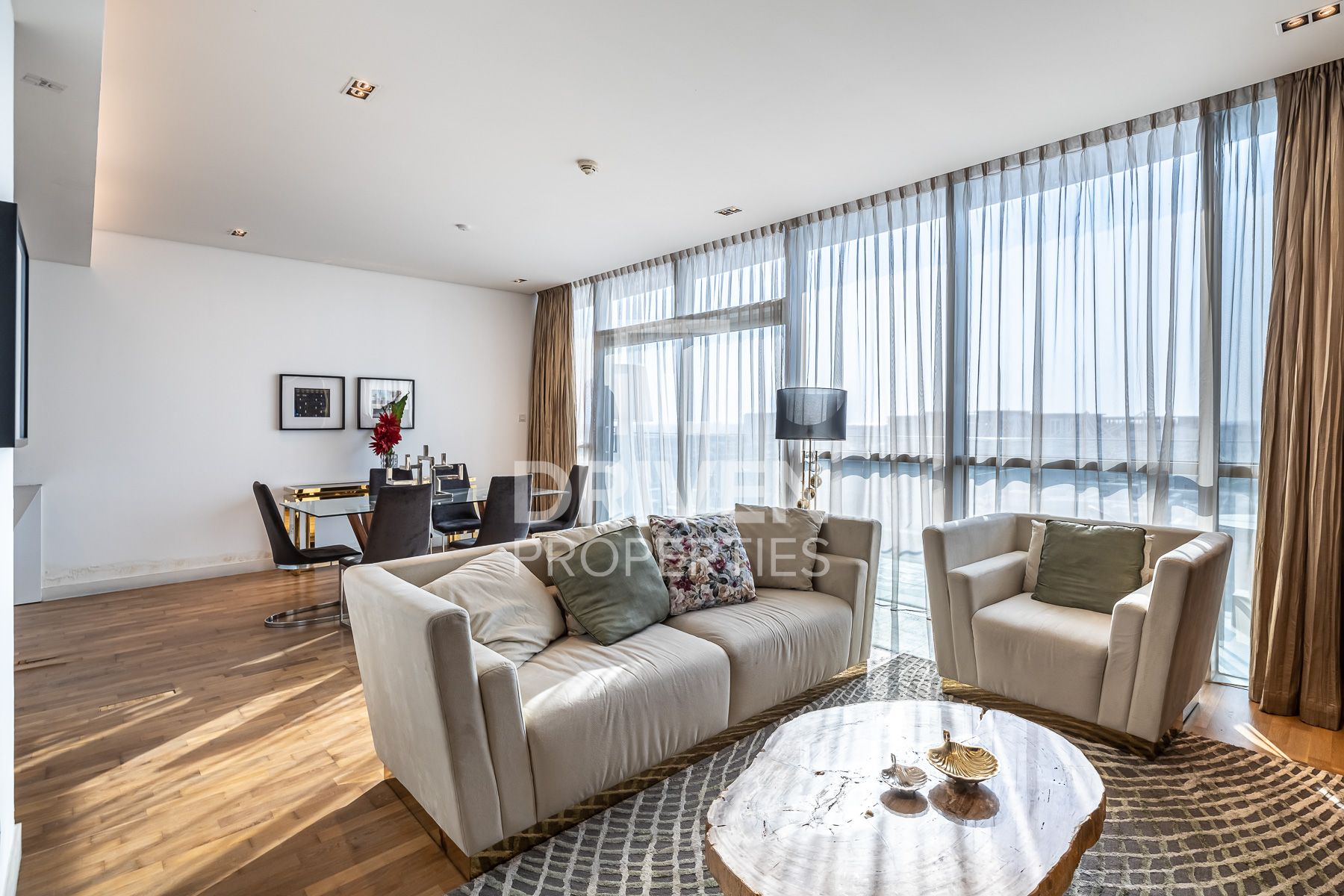 Bright and Furnished with Boulevard View