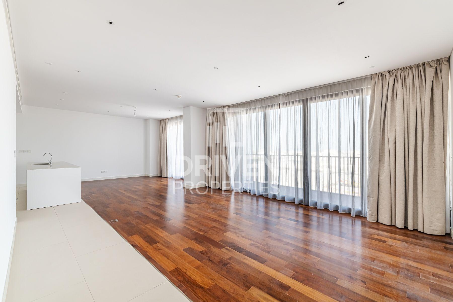 2,323 قدم مربع  شقة - للايجار - سيتي ووك
