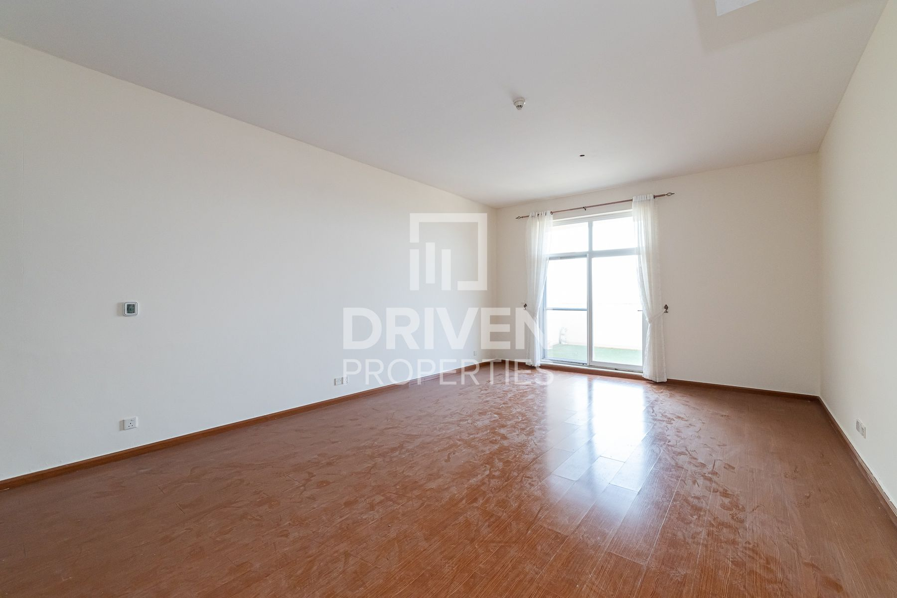 Huge and Upgraded 3 Bedroom Apt in Foxhill