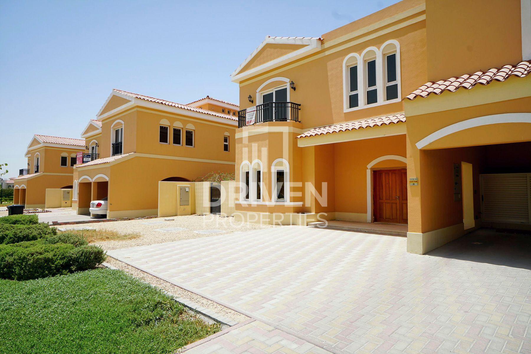 Villa for Sale in Hacienda - The Villa
