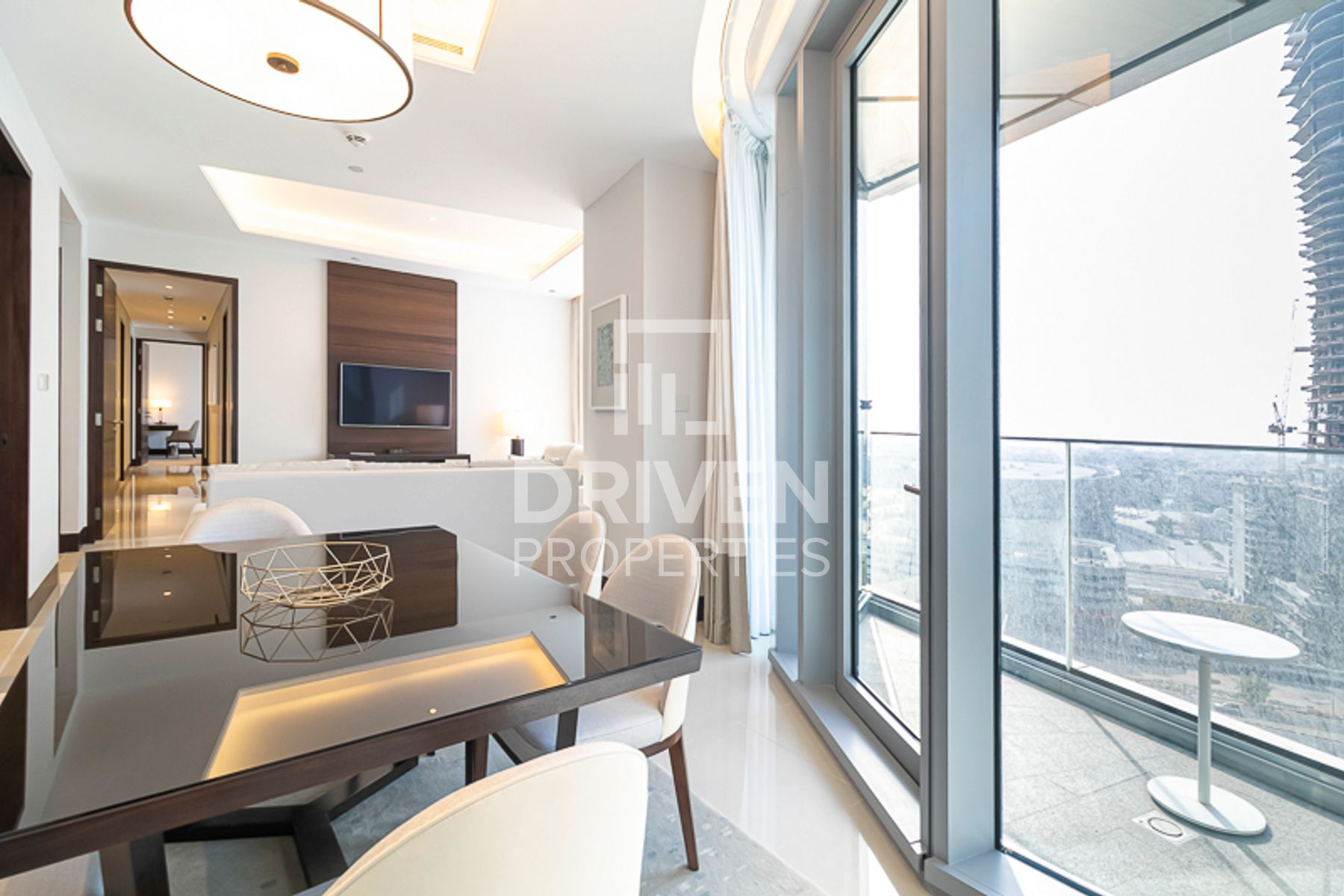 Elegant 3 Bedroom Apartment with SZR View