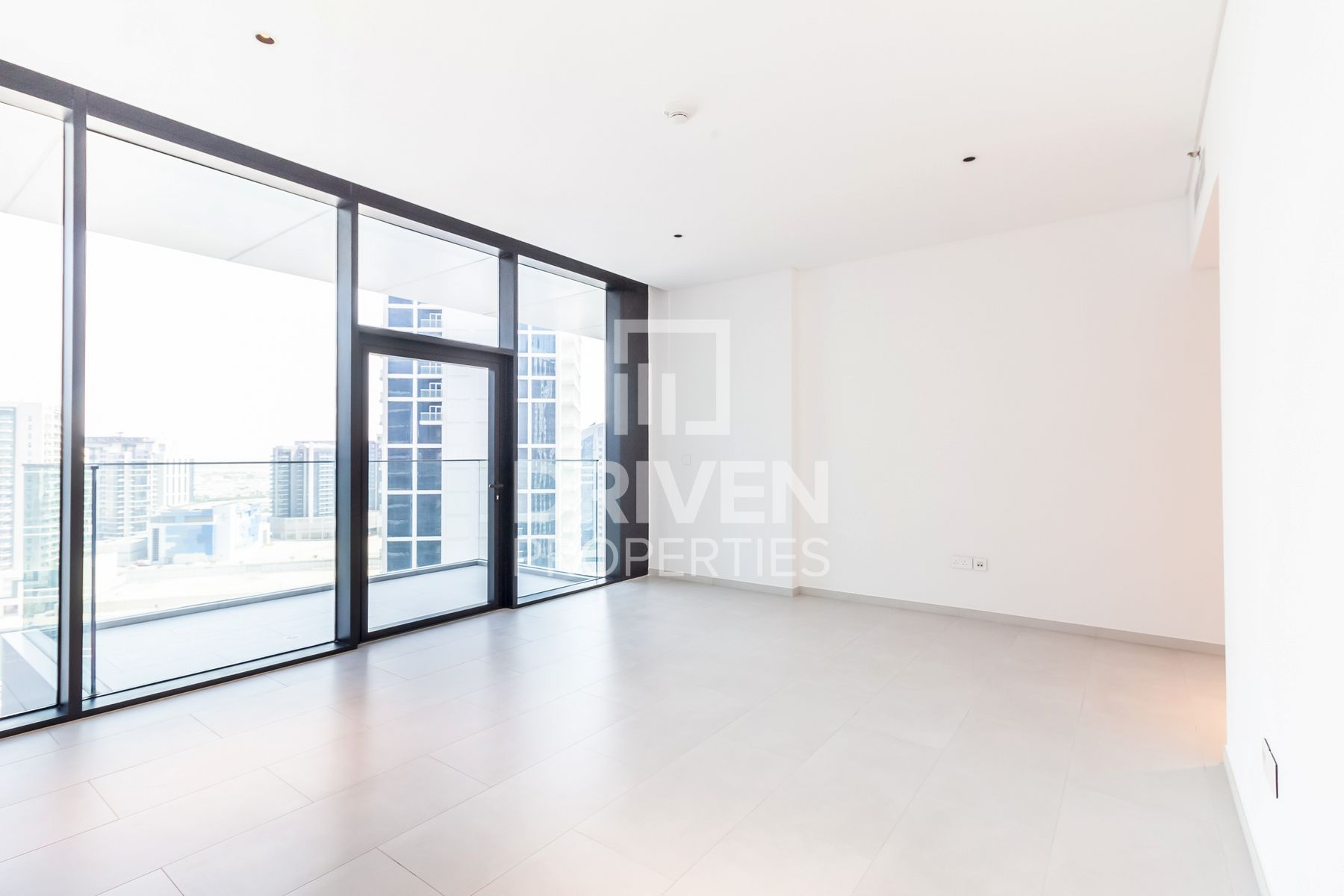 High Floor and Huge Studio with Canal View