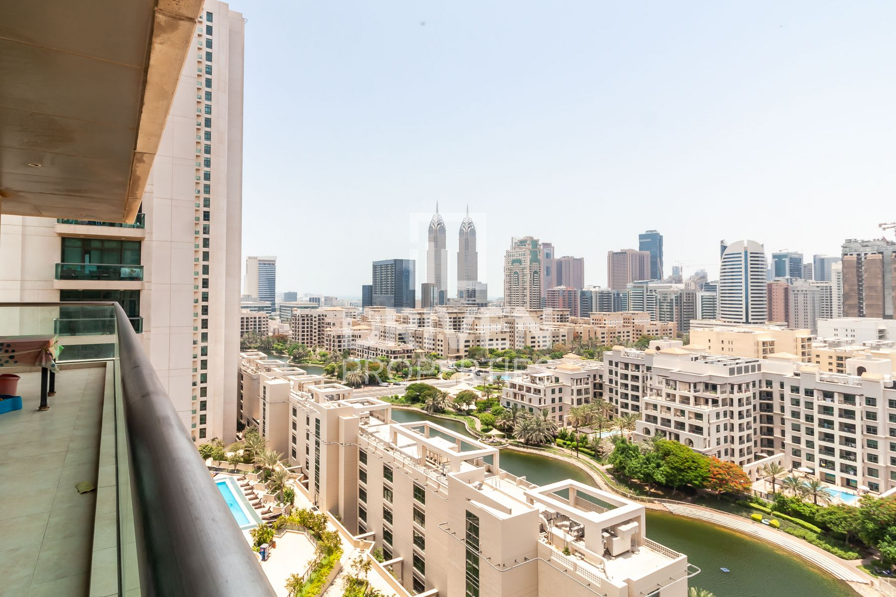 Amazing | 2 Bed Apt | Canal and Golf View