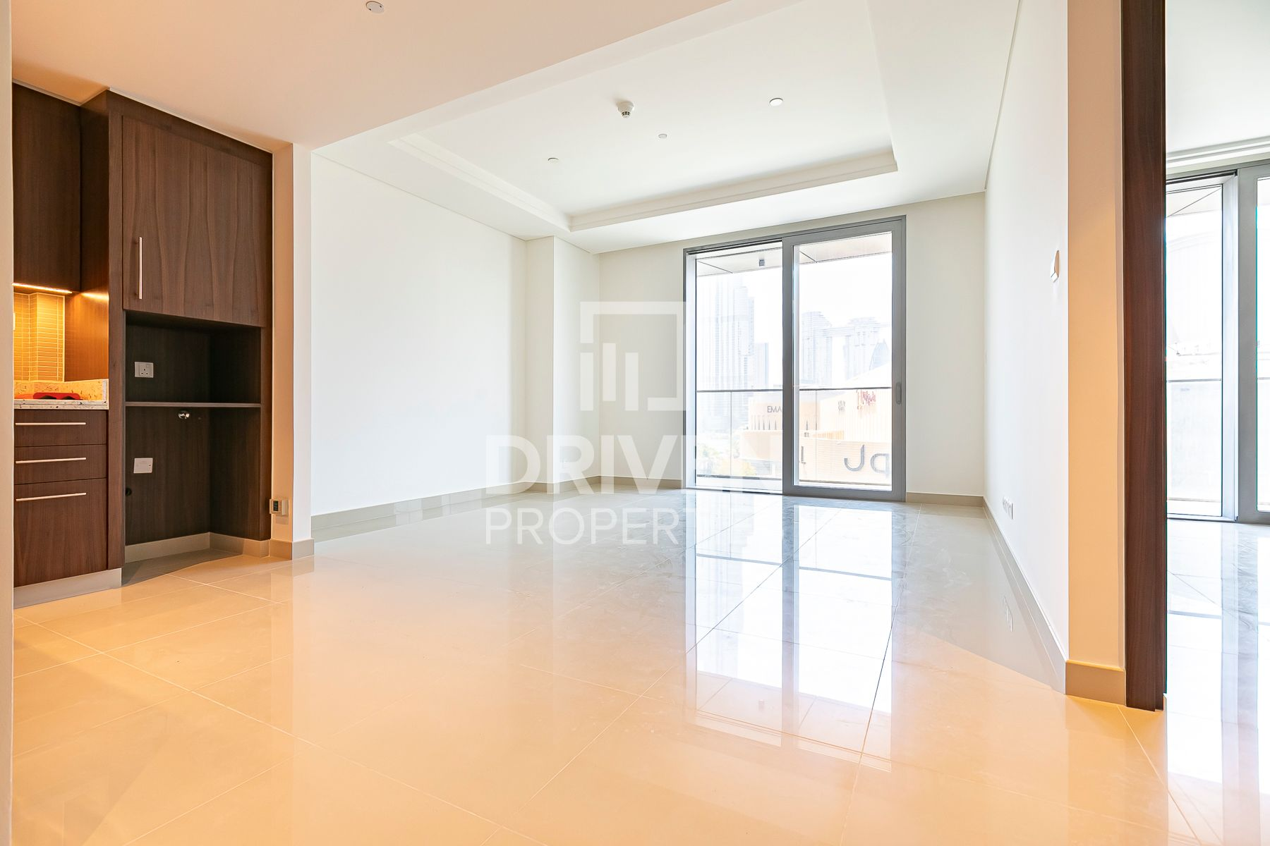 Brand New 1 Bedroom Apartment, Chiller free