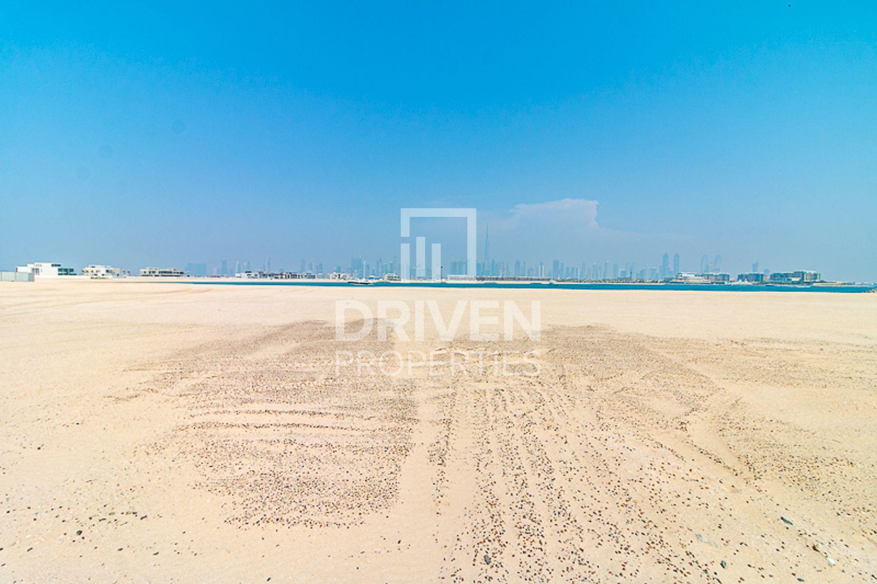 للبيع - أرض سكنية - Bulgari Resort & Residences - الجميرا