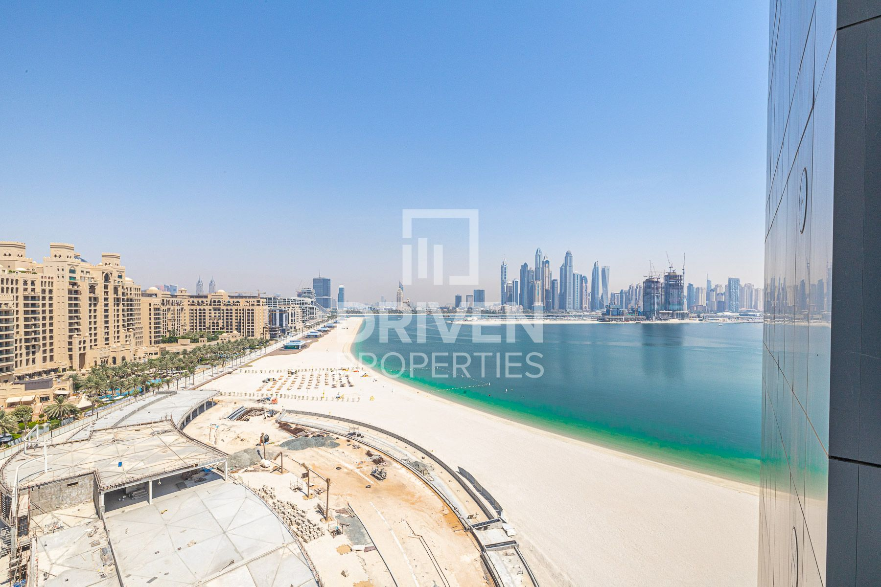 High Floor Apartment with Full Marina View