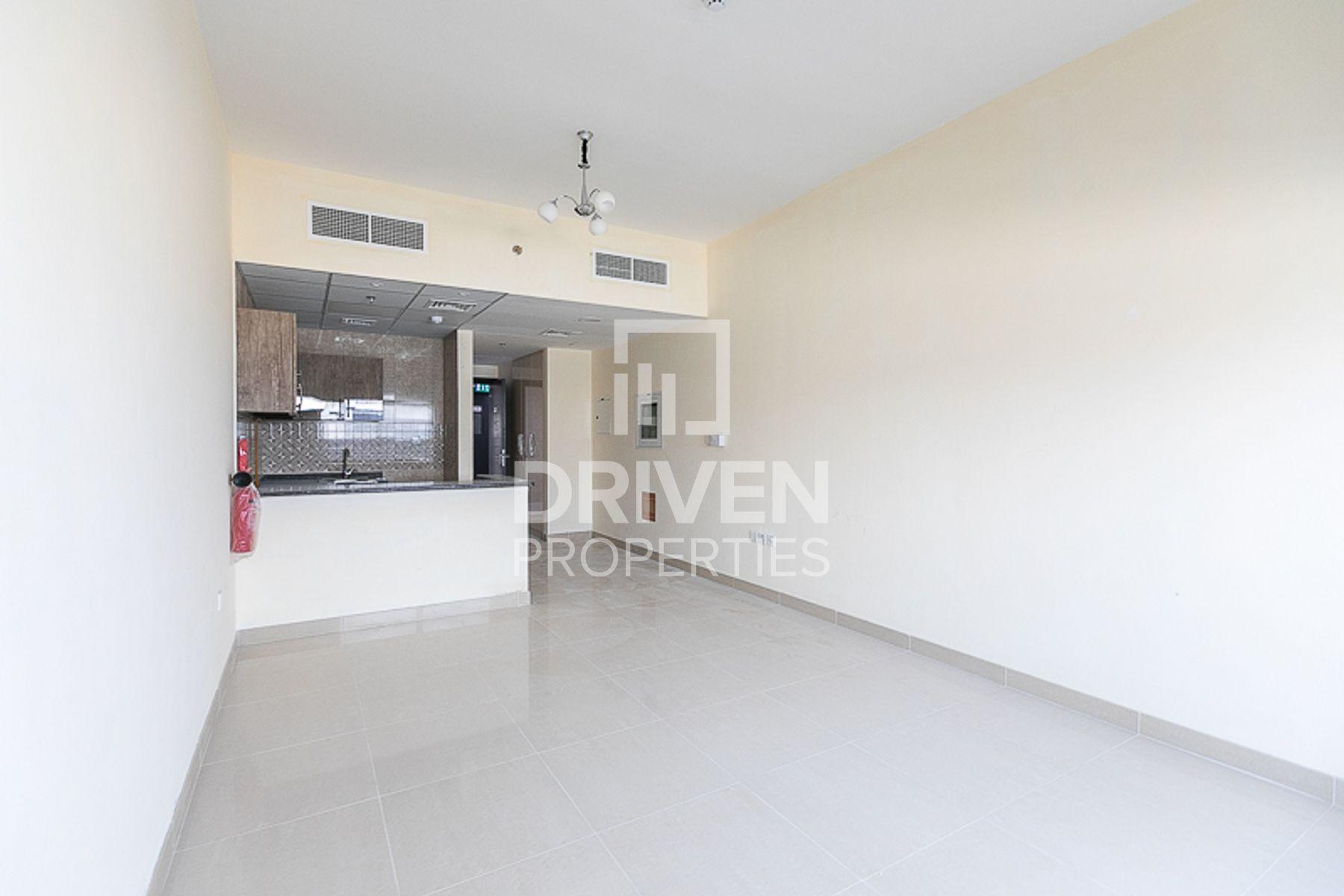 Studio for Rent in UniEstate Prime Tower - Jumeirah Village Circle