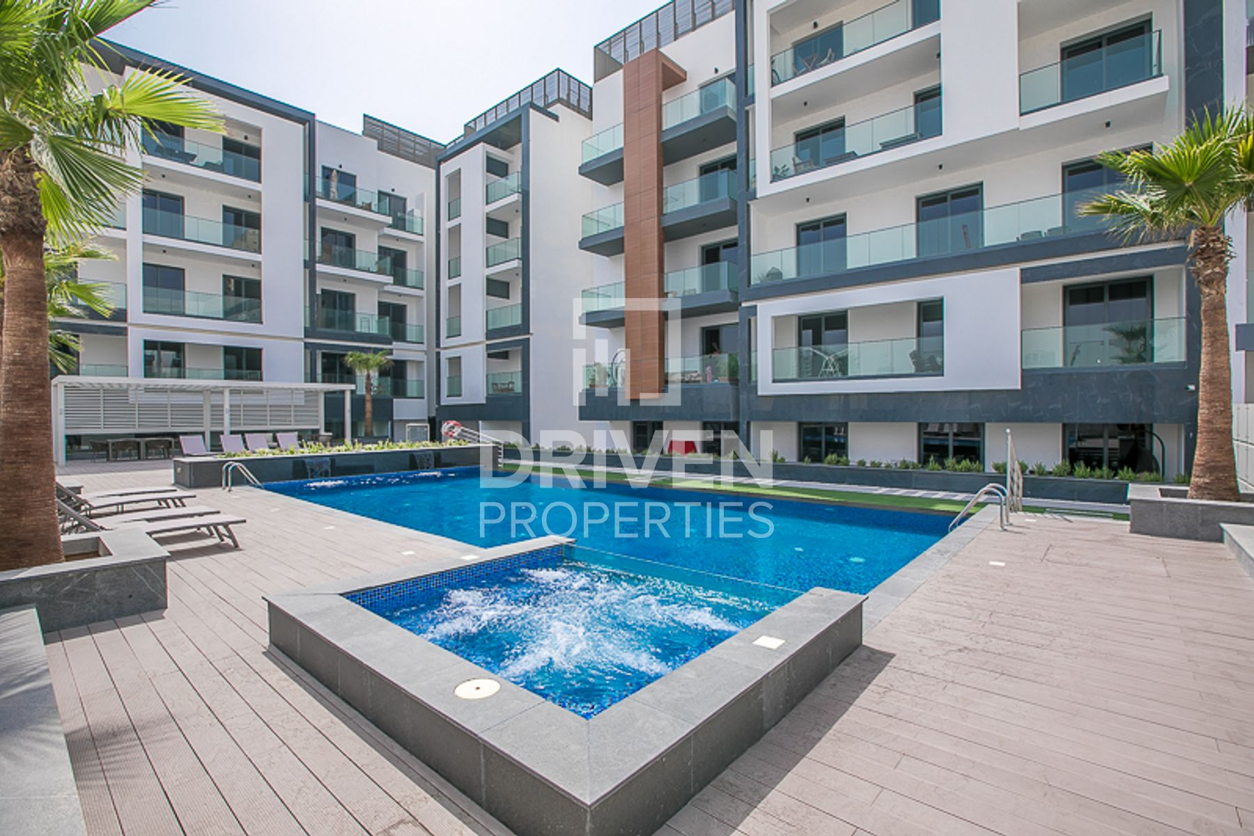 Amazing 2 Bedroom Apartment with Terrace