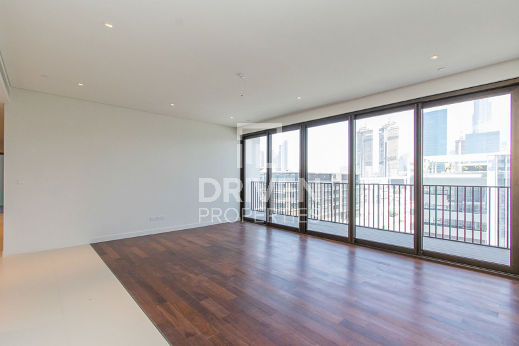 Boulevard and Burj Khalifa View | 3BR + M