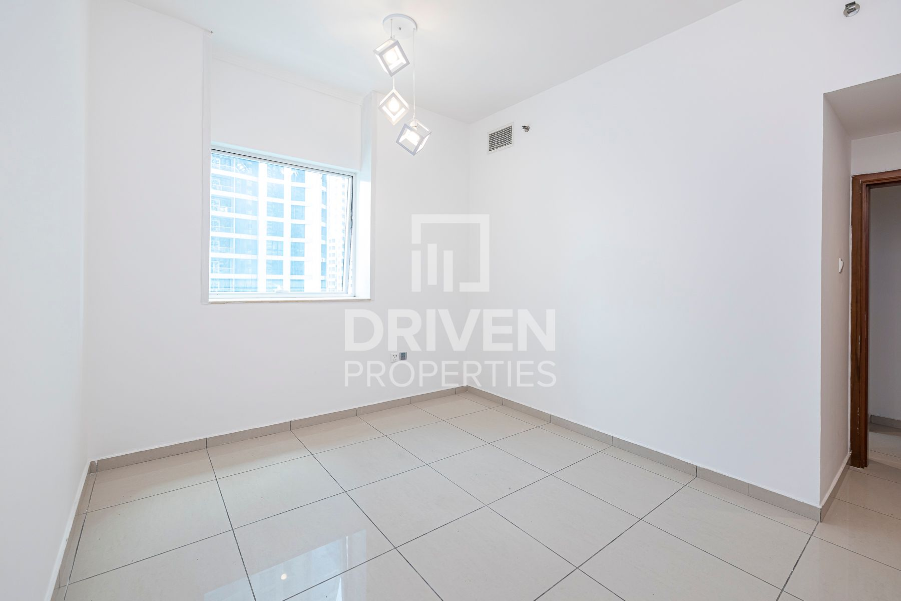 Upgraded 1 Bed Apt with Sea view, Negotiable