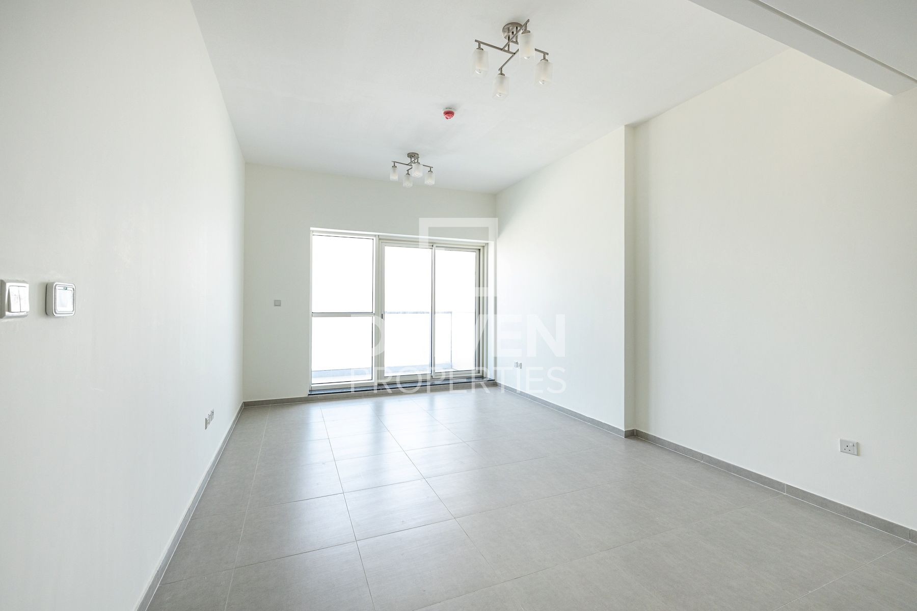 Elegant 1 Bed Apartment with Marina View